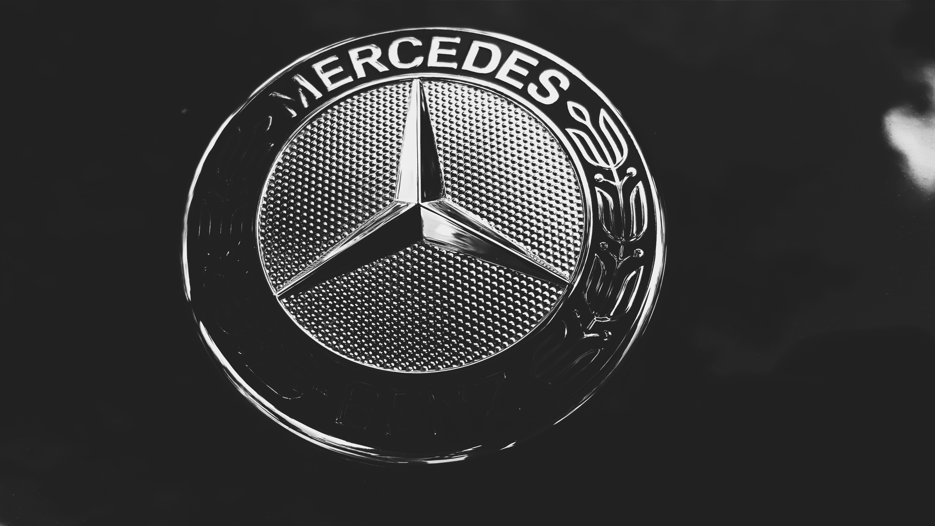 Res: 3264x1836, Best Mercedes Benz Logo 2018 Wallpapers, 229517638