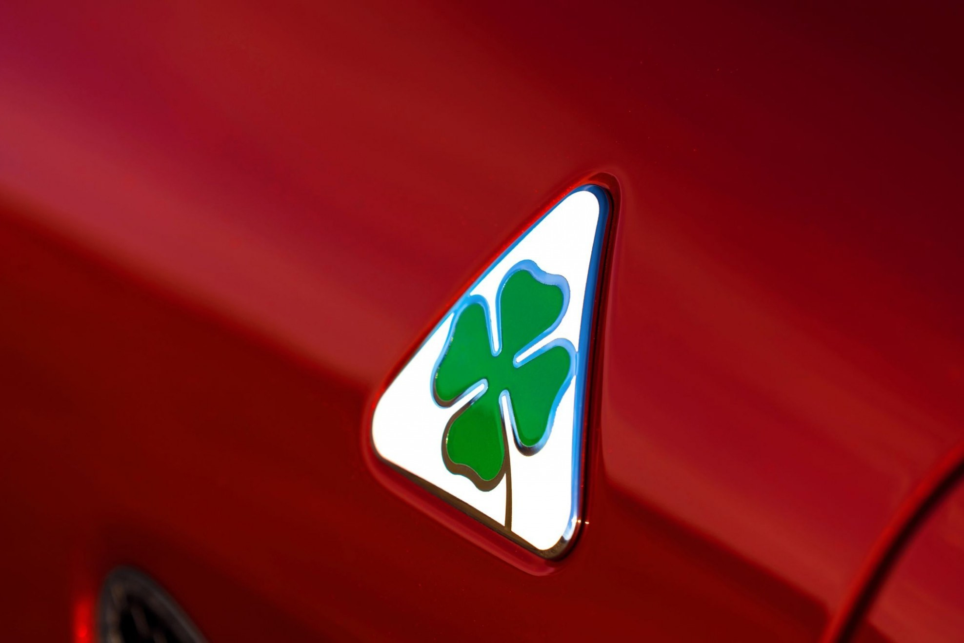 Res: 1976x1319, ... Iphone Wallpaper; 505 hp alfa romeo giulia makes u s debut at l a auto  show alfa romeo cloverleaf badge ...