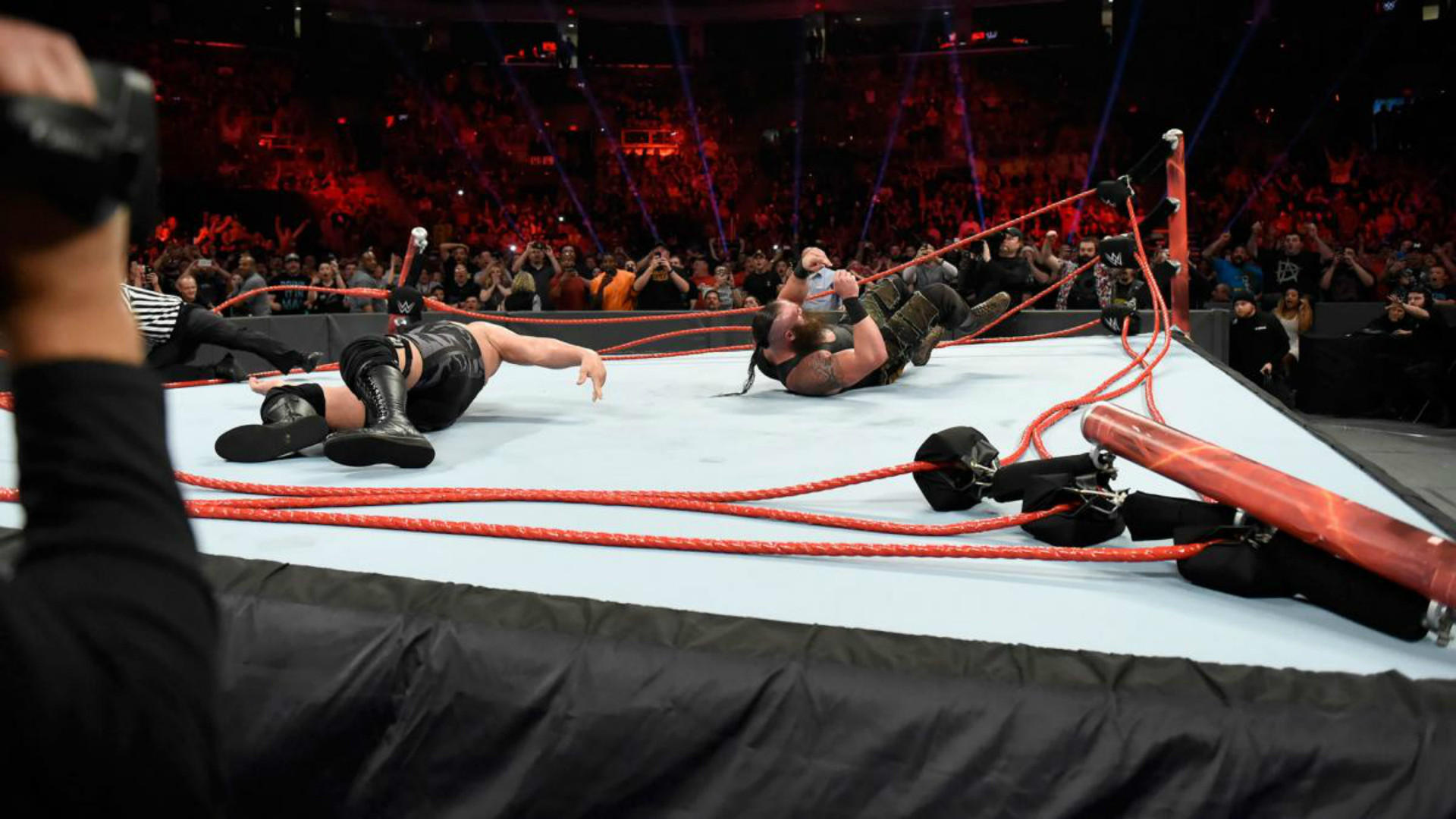Res: 1920x1080, Braun Strowman and Big Show Breaks the Ring on RAW Last Night