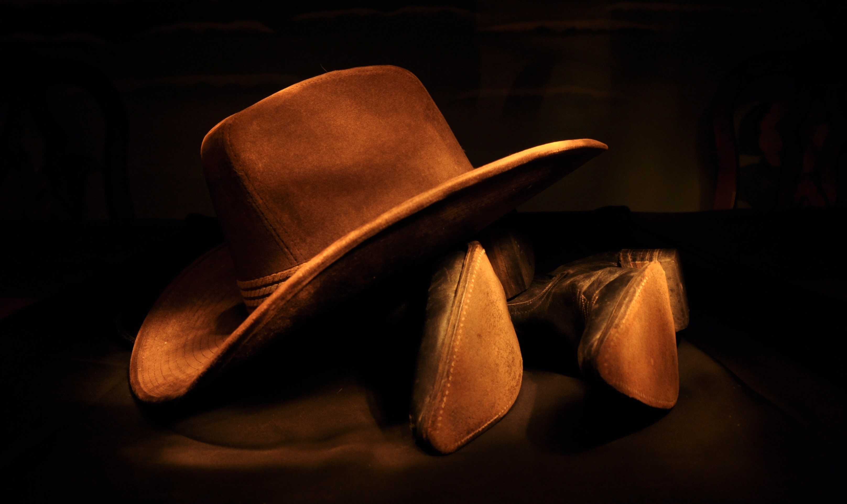 Res: 3232x1925, Photography - Cowboy Hat Boots Man Made Still Life Wallpaper
