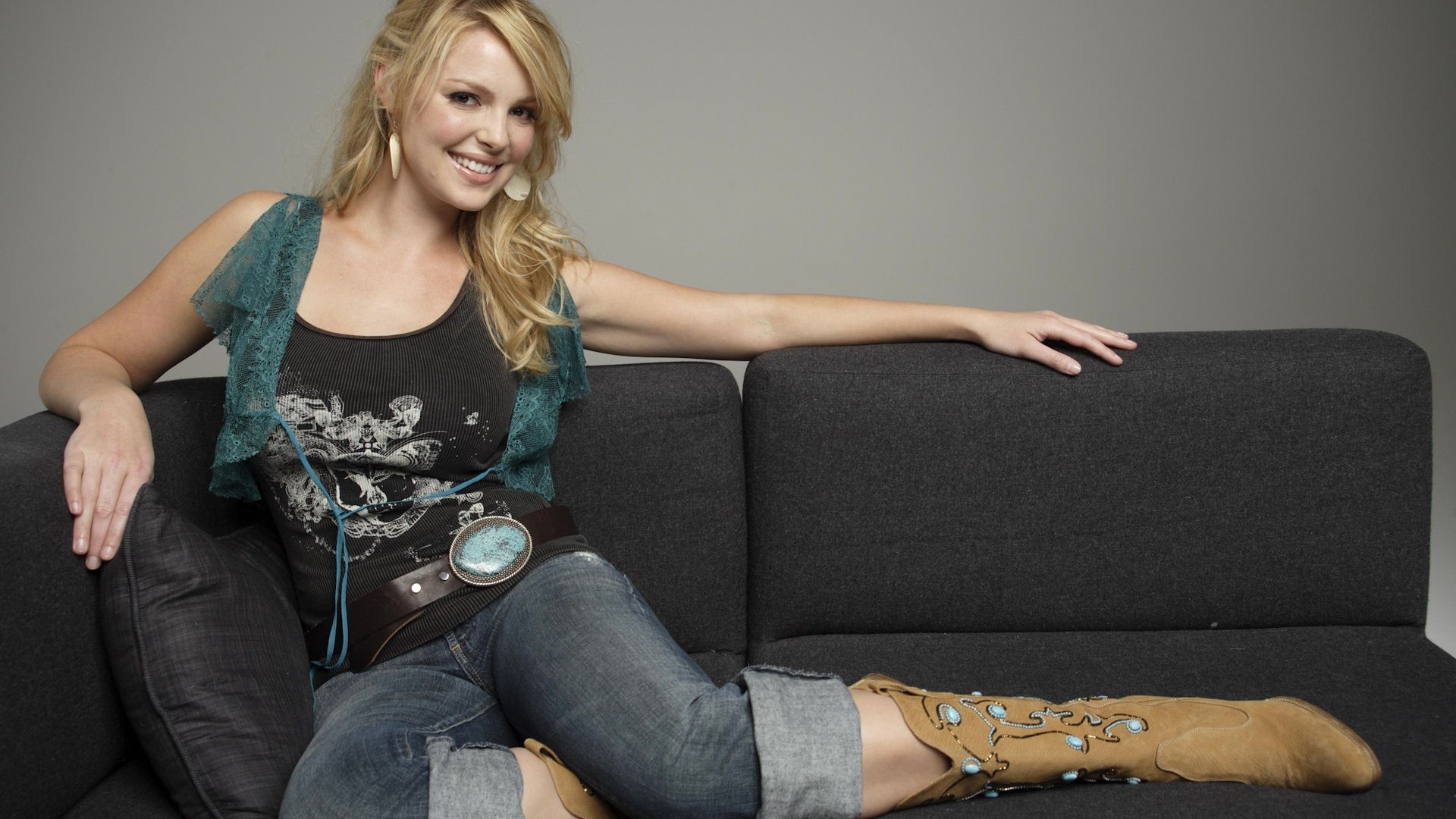 Res: 1920x1080, People  Katherine Heigl women blonde jeans cowboy boots couch  actress