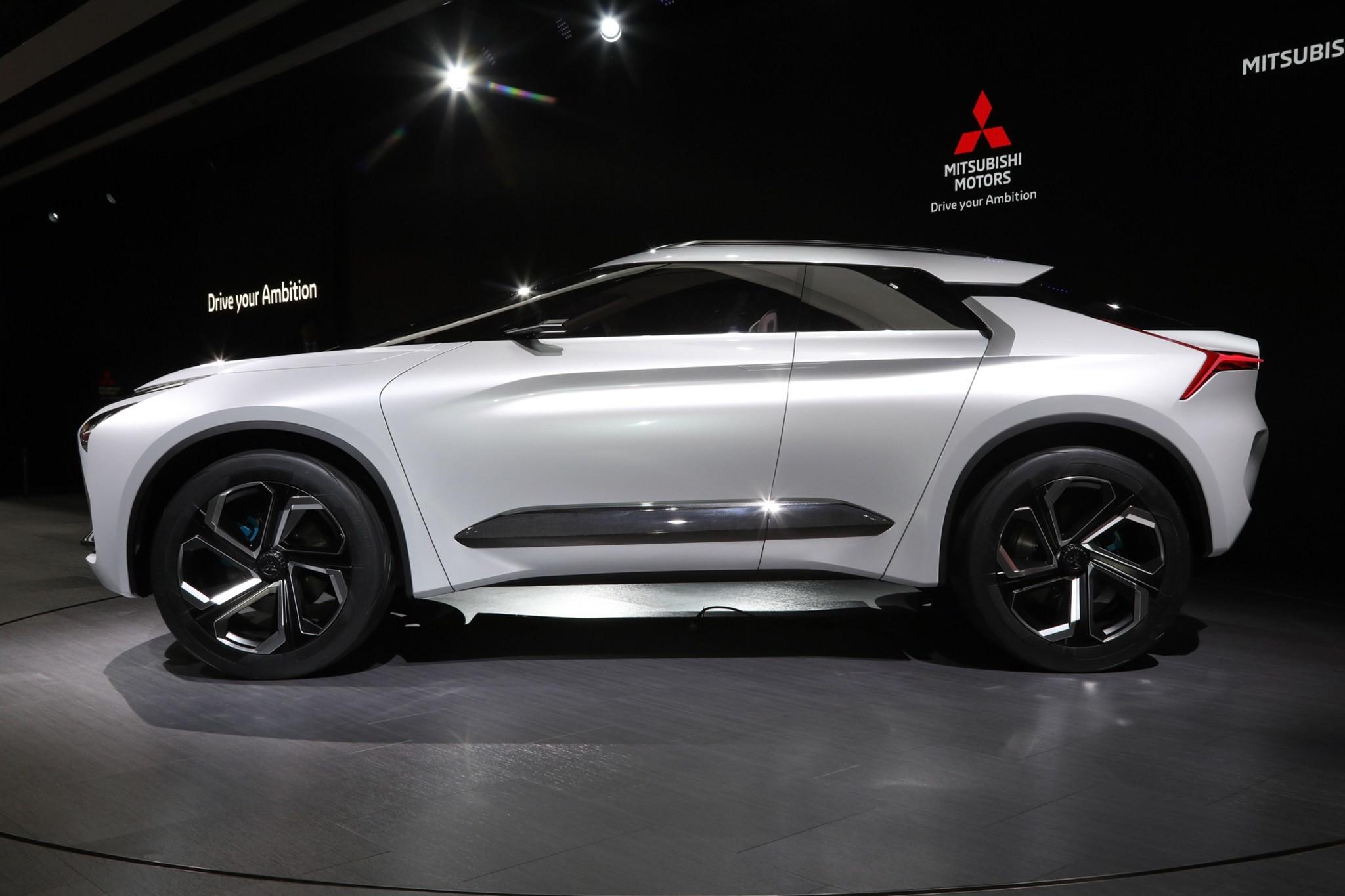 Res: 2048x1365, Mitsubishi e-Evolution Concept wallpaper side