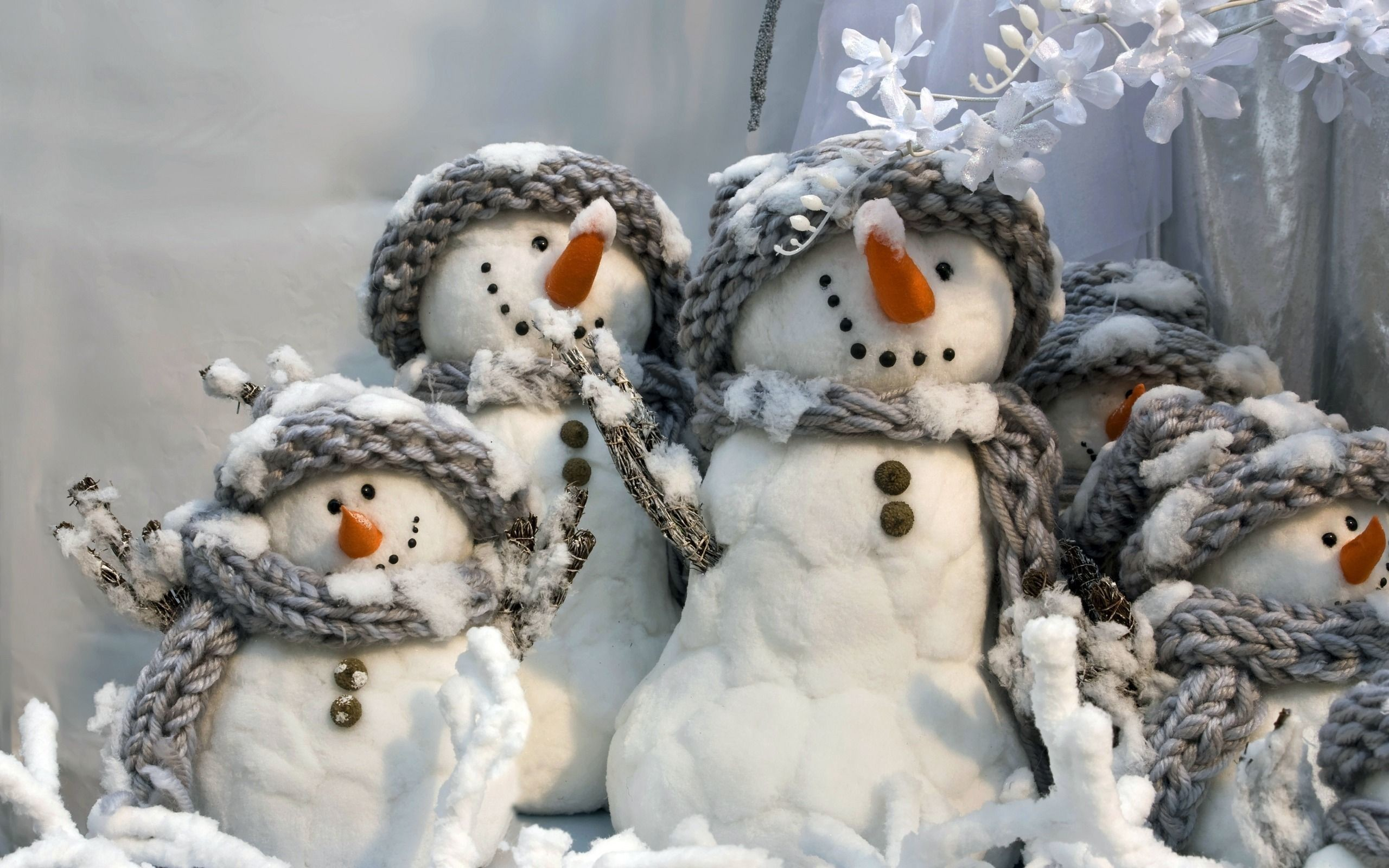 Res: 2560x1600, Christmas and Happy New Year - Snowmen family Wallpapers - HD .