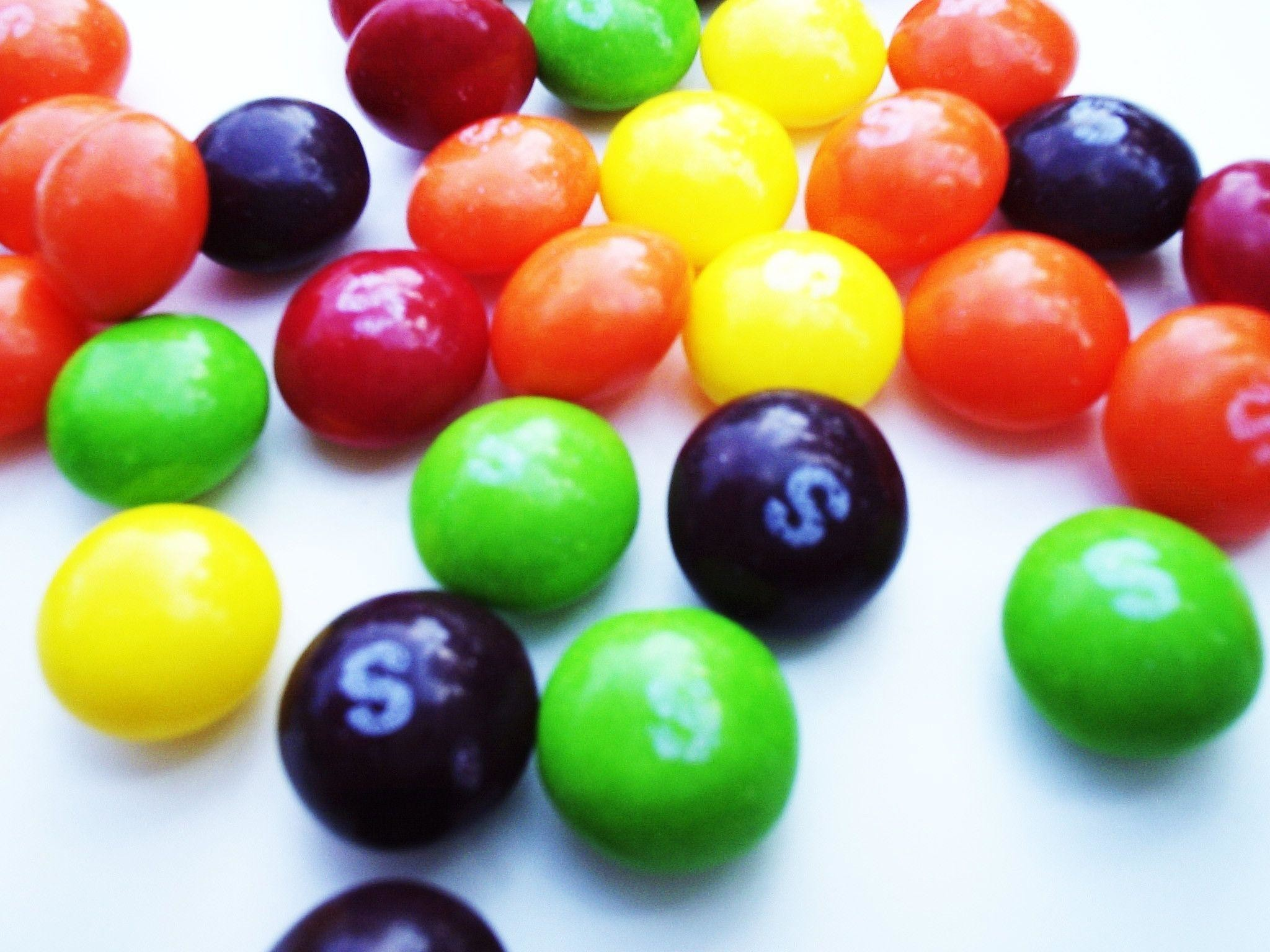 Res: 2048x1536, Skittles ...