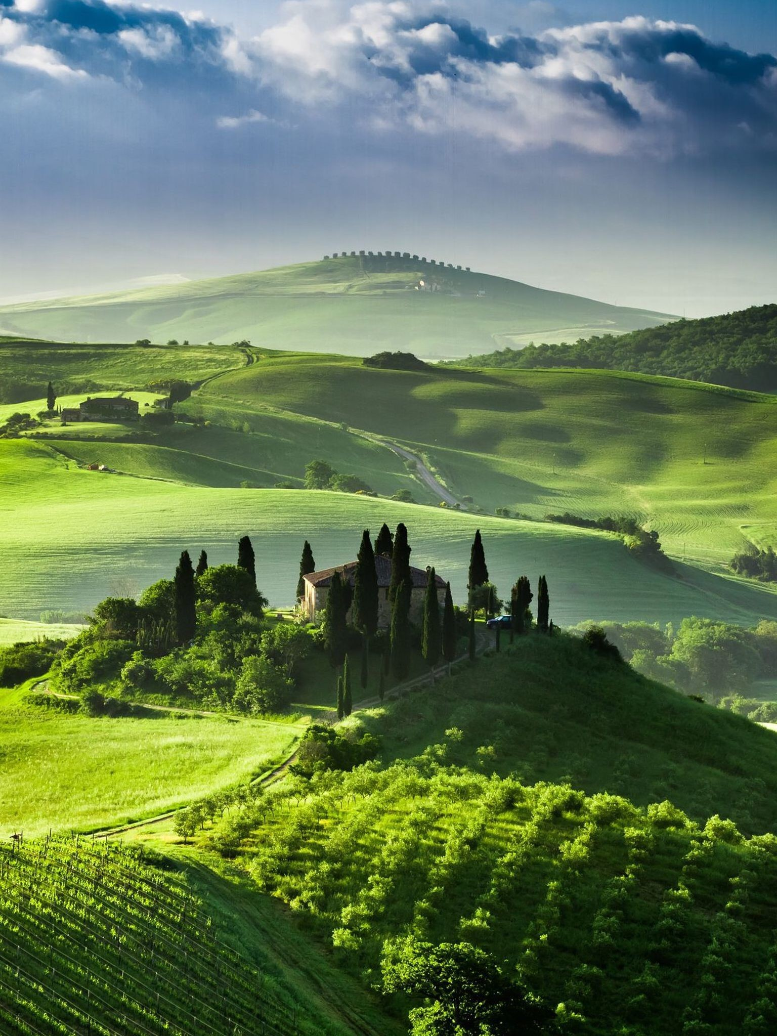 Res: 1536x2048, San Quirico d'Orcia, Tuscany, Italy Wallpaper for iPhone 5