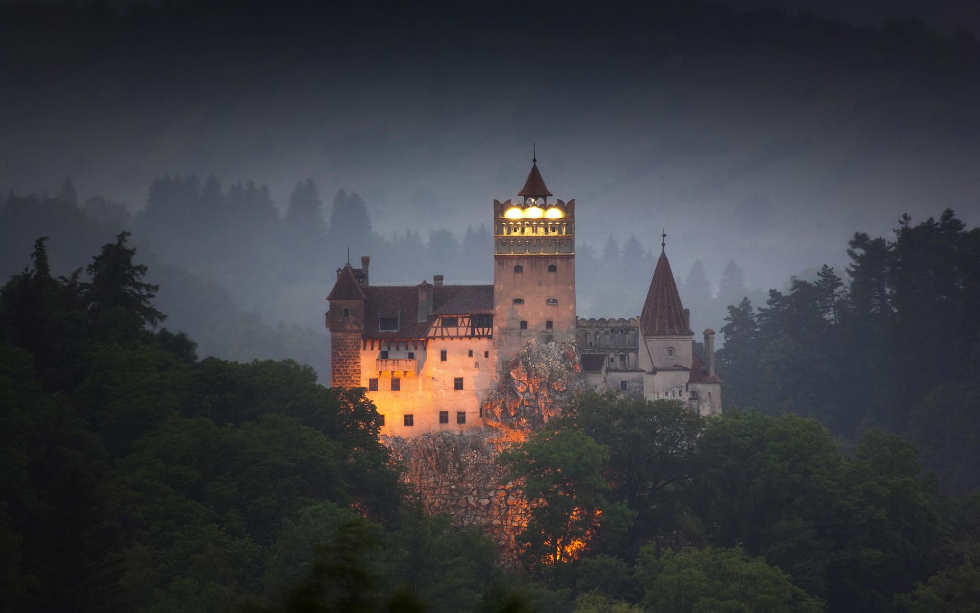 Res: 1920x1200, Bran Castle