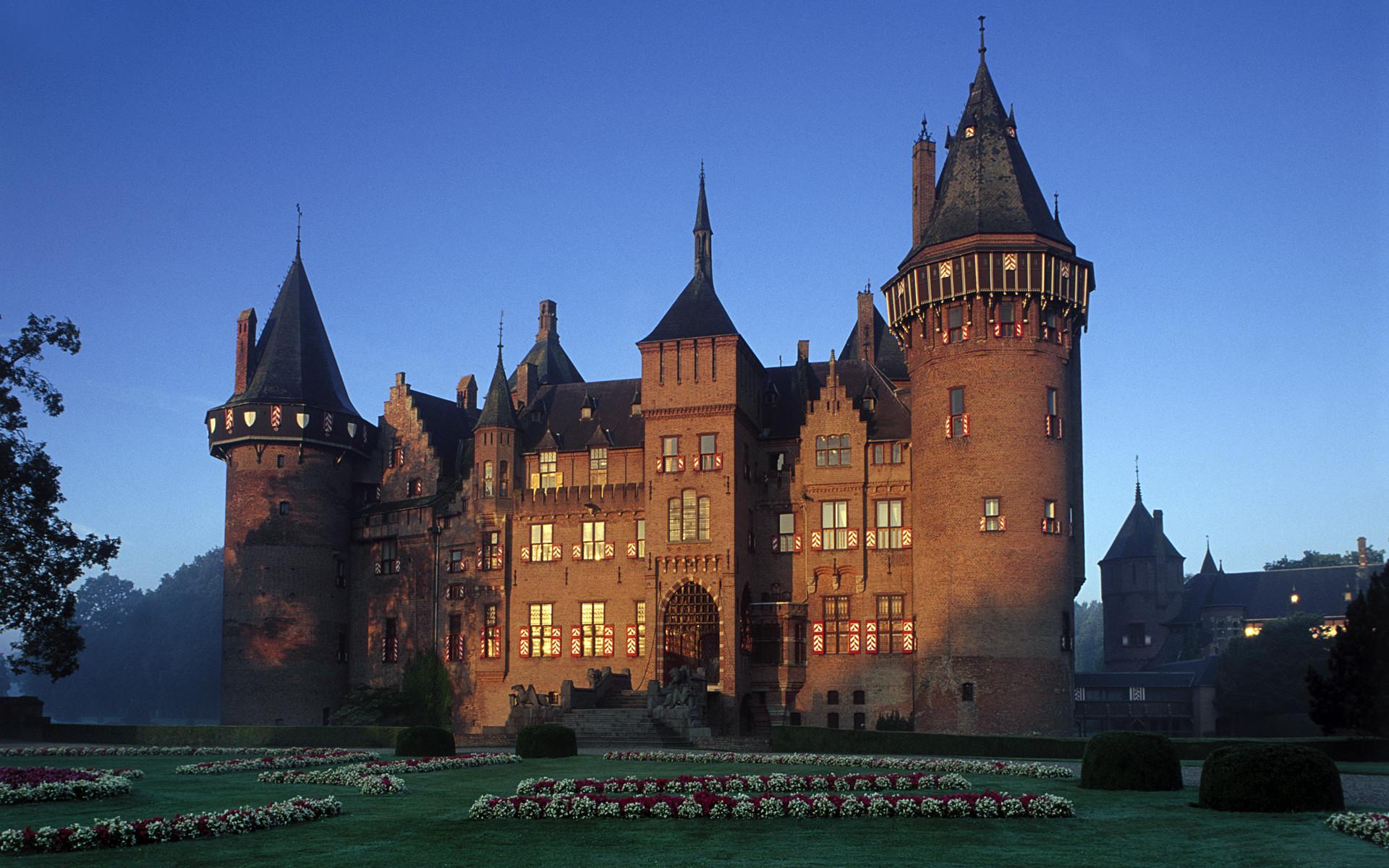 Res: 1920x1200, De Haar Castle, Netherlands