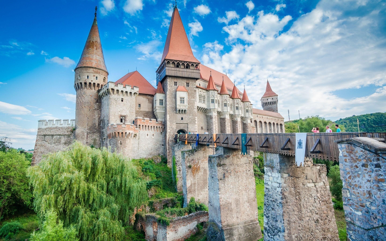 Res: 2880x1800, corvin castle, dracula's castle, transylvania, romania