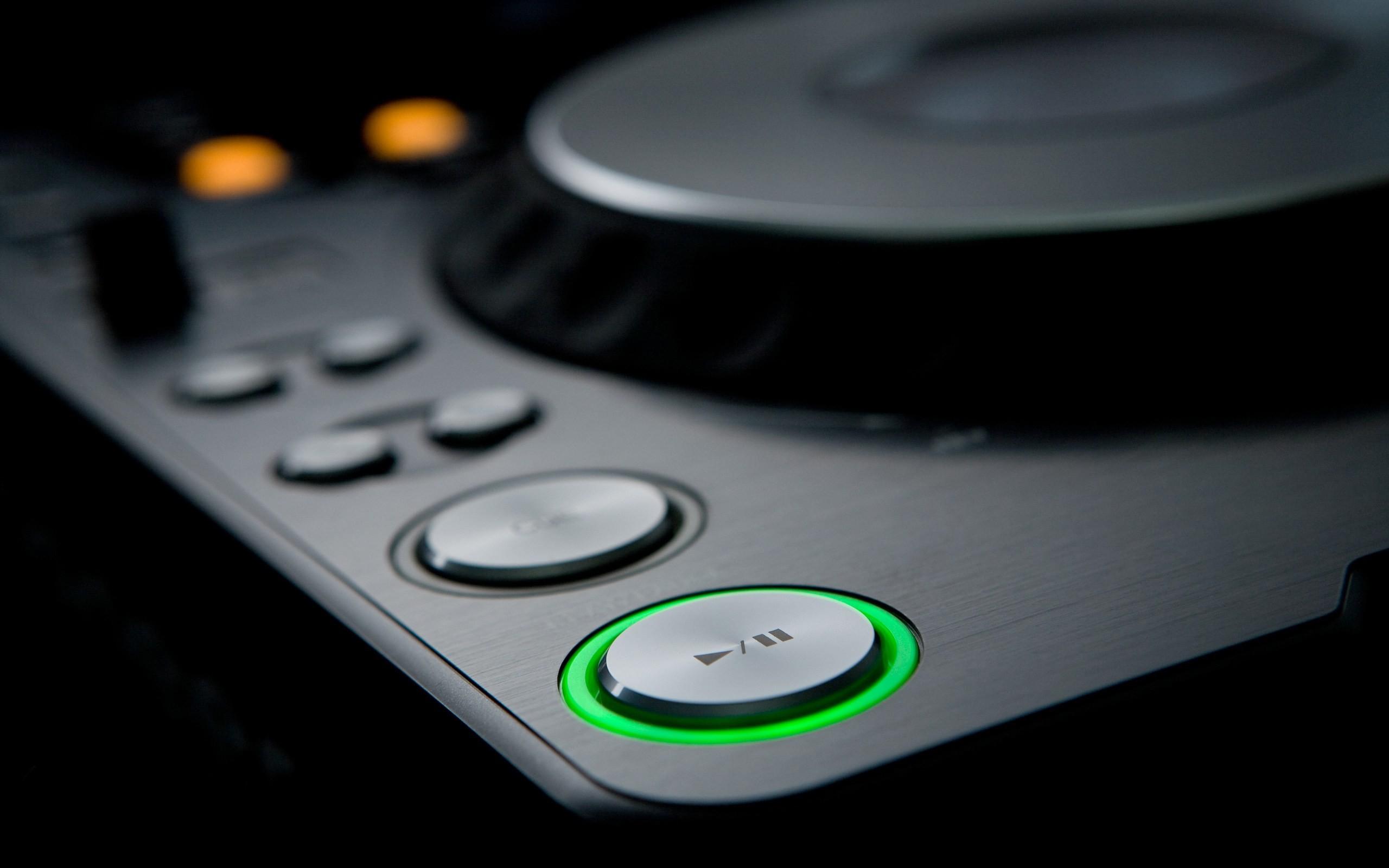 Res: 2560x1600, DJ Turntable Desktop HD Wallpapers