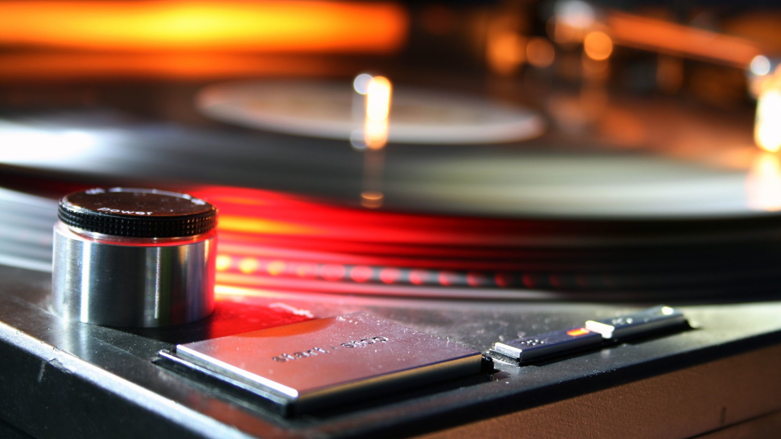 Res: 2560x1440, DJ Turntable Wallpaper