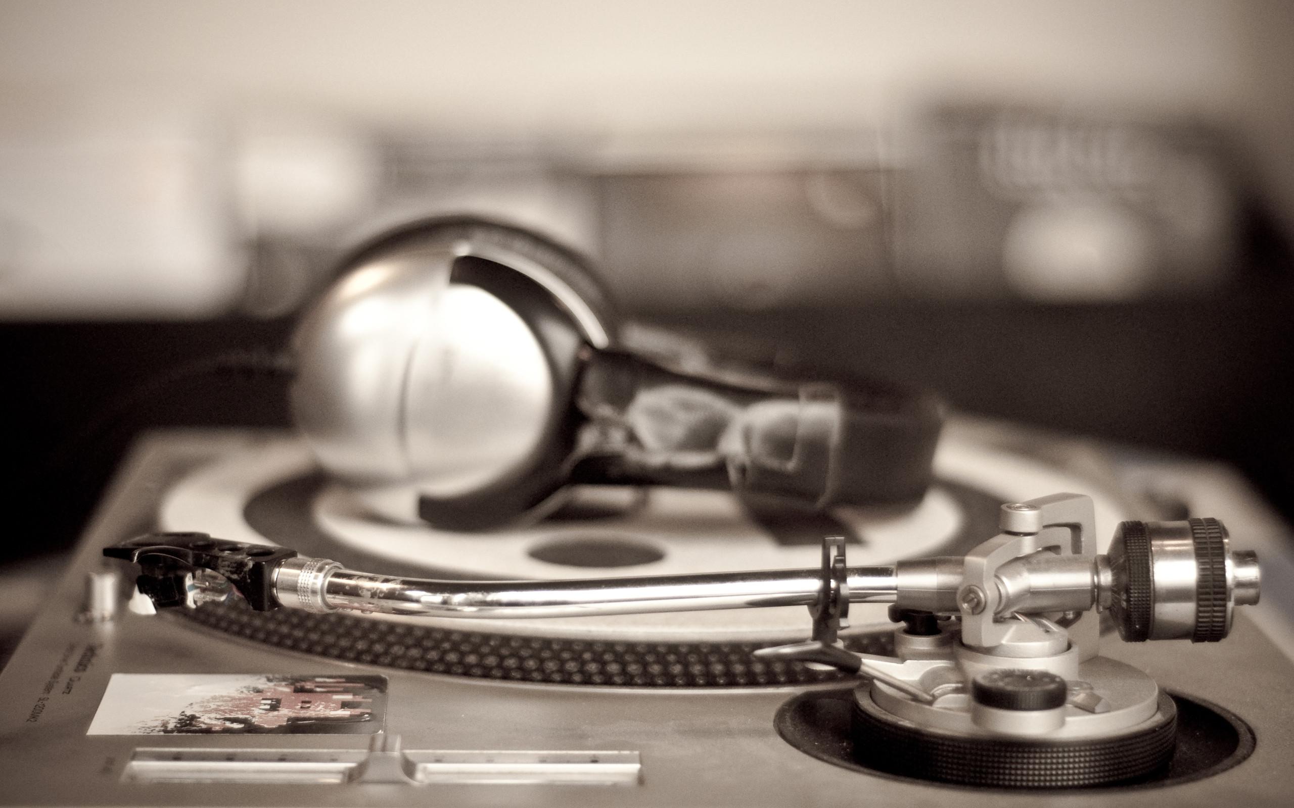 Res: 2560x1600, DJ Mixer Wallpaper for Desktop