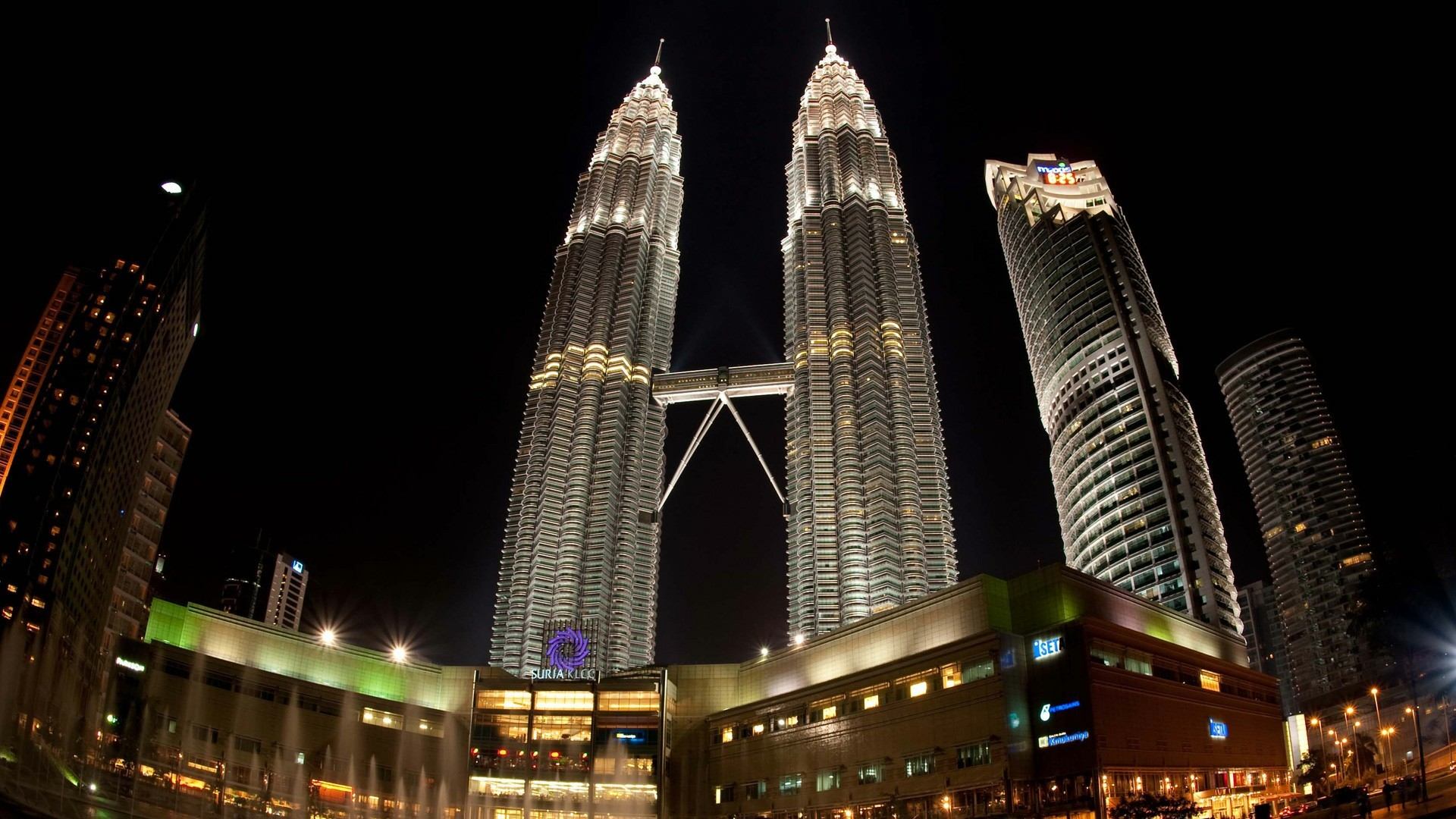 Res: 1920x1080, Petronas Twin Towers (Kuala Lumpur) Wallpaper | Wallpaper Studio 10 | Tens  of thousands HD and UltraHD wallpapers for Android, Windows and Xbox