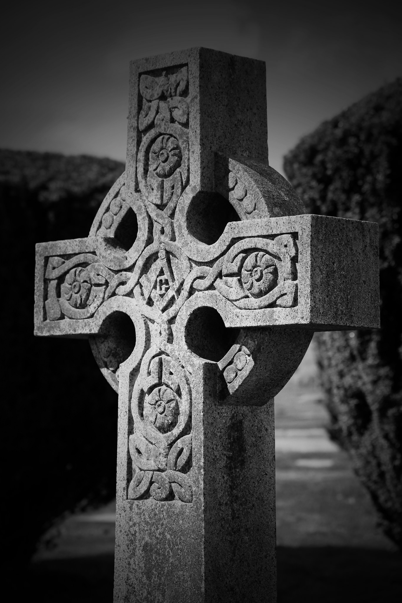 Res: 1365x2048, Celtic-Cross-by-hilarymcurrie