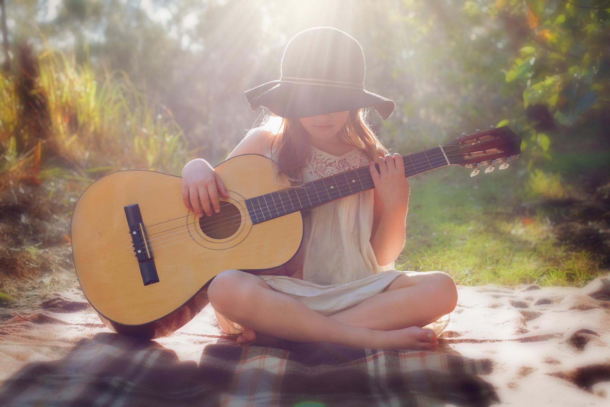 Res: 2048x1365, Beautiful Little Girl Playing Guitar Wallpaper