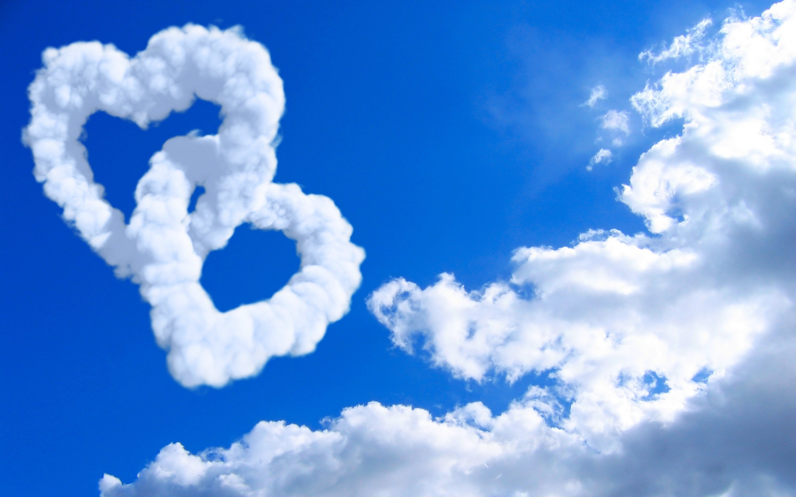 Res: 2560x1600, Tags: Clouds Hearts