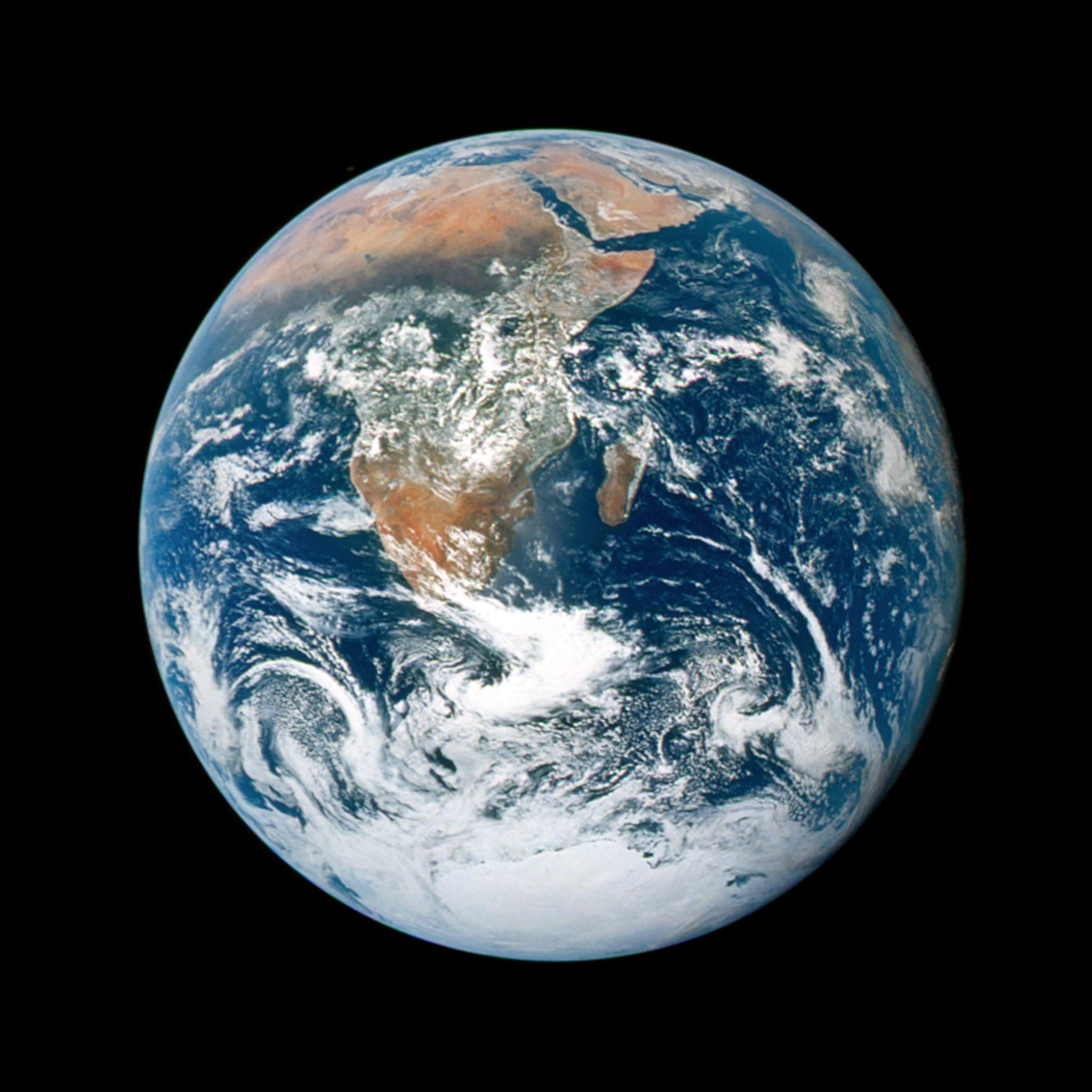 Res: 2048x2048, nasa - as17-148-22727 earth ipad wallpaper