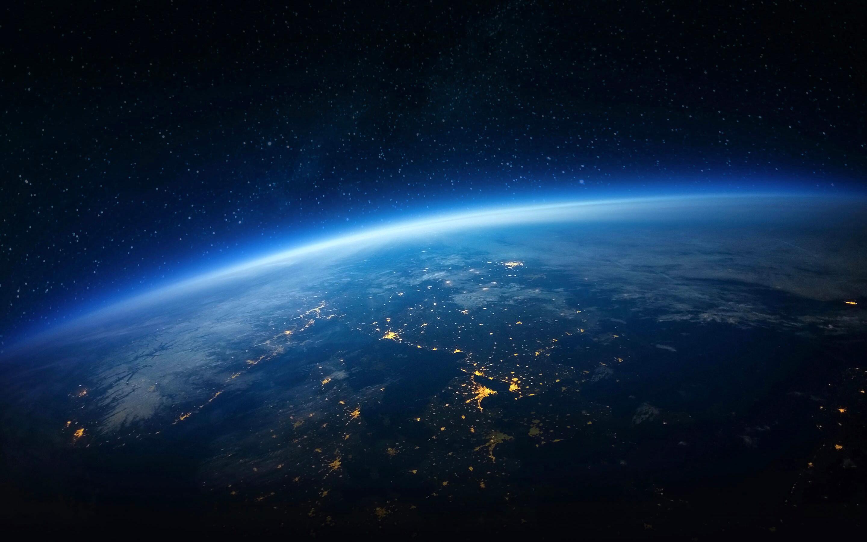 Res: 2880x1800, Earth Horizon Wallpaper