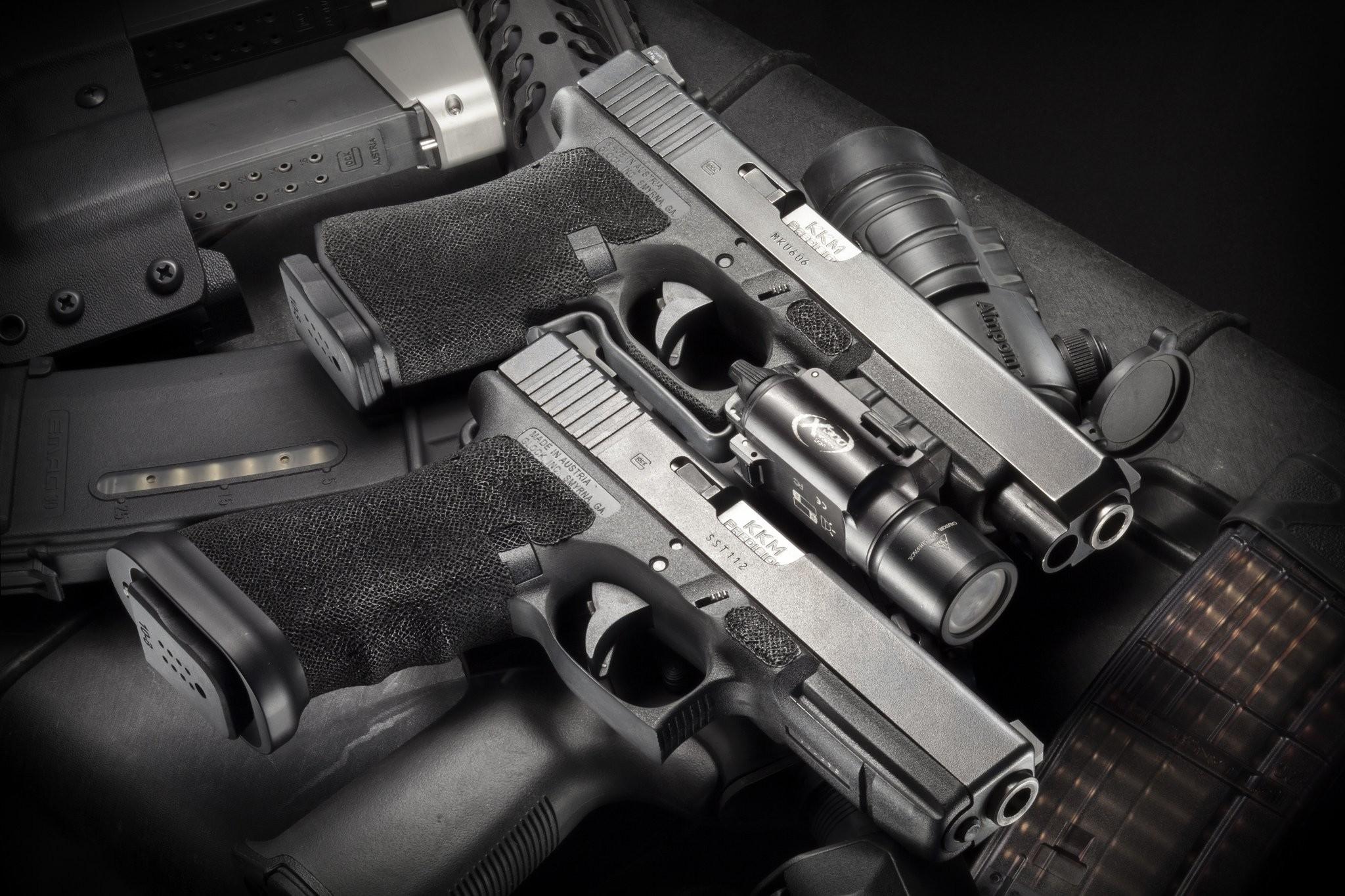 Res: 2048x1365, g17-glock-gun-wallpaper-3