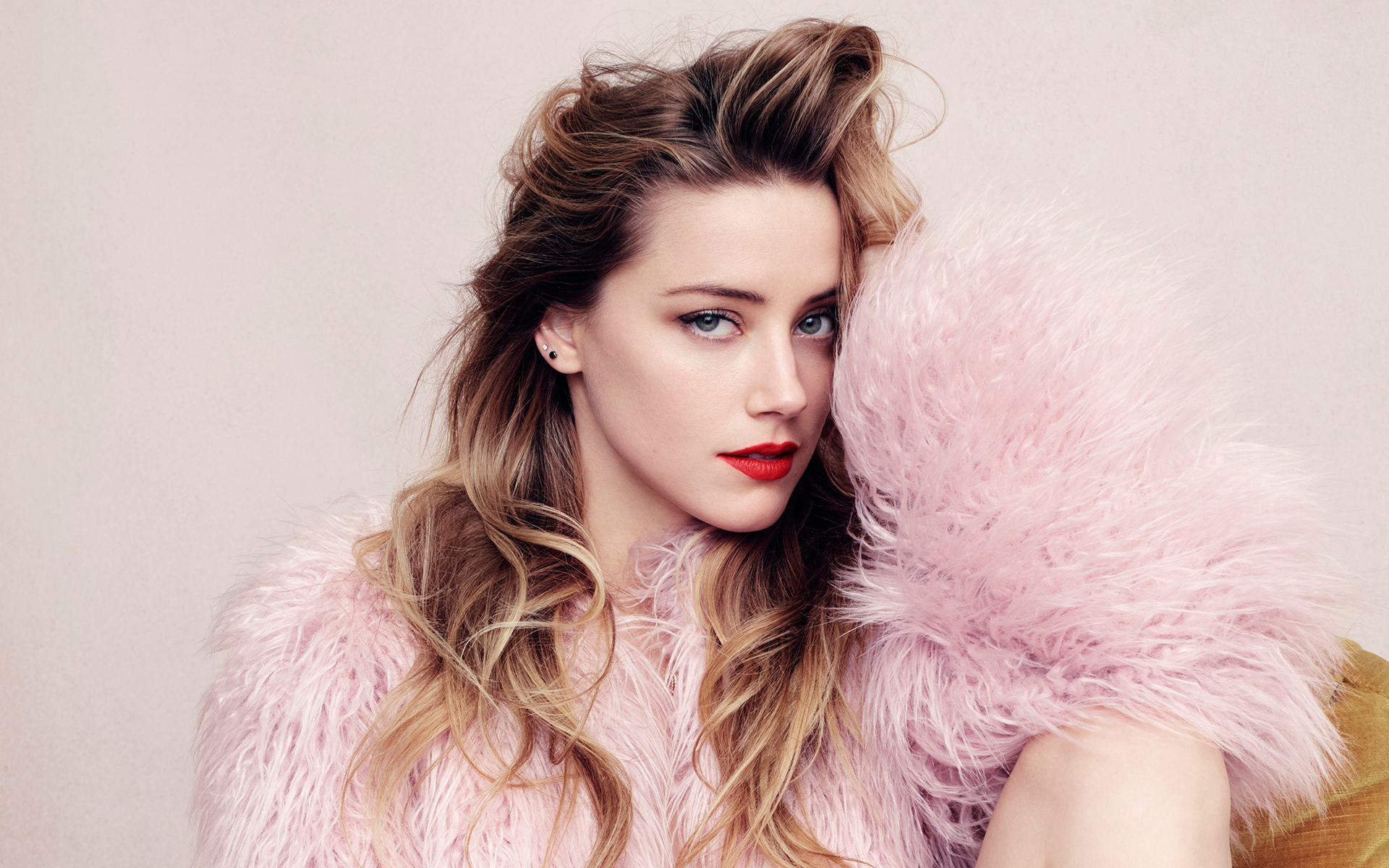 Res: 1920x1200, Pink Fur Amber Heard Wallpaper