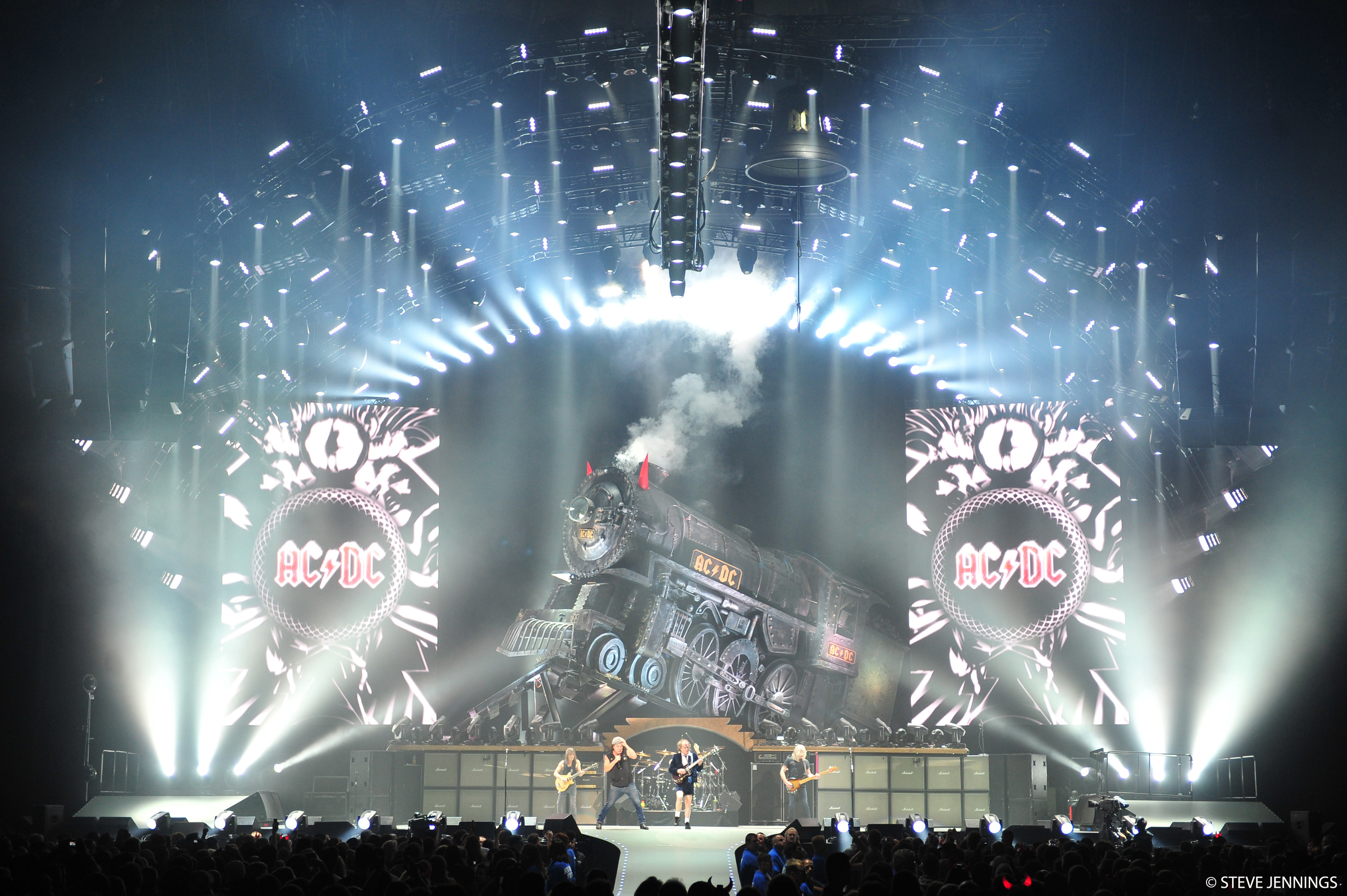 Res: 3000x1996, Brian Johnson confirms Black Ice Tour DVD in new interview! | AC/DC News |  AC/DC Forum | AC/DC Fans | ACDCfans.net