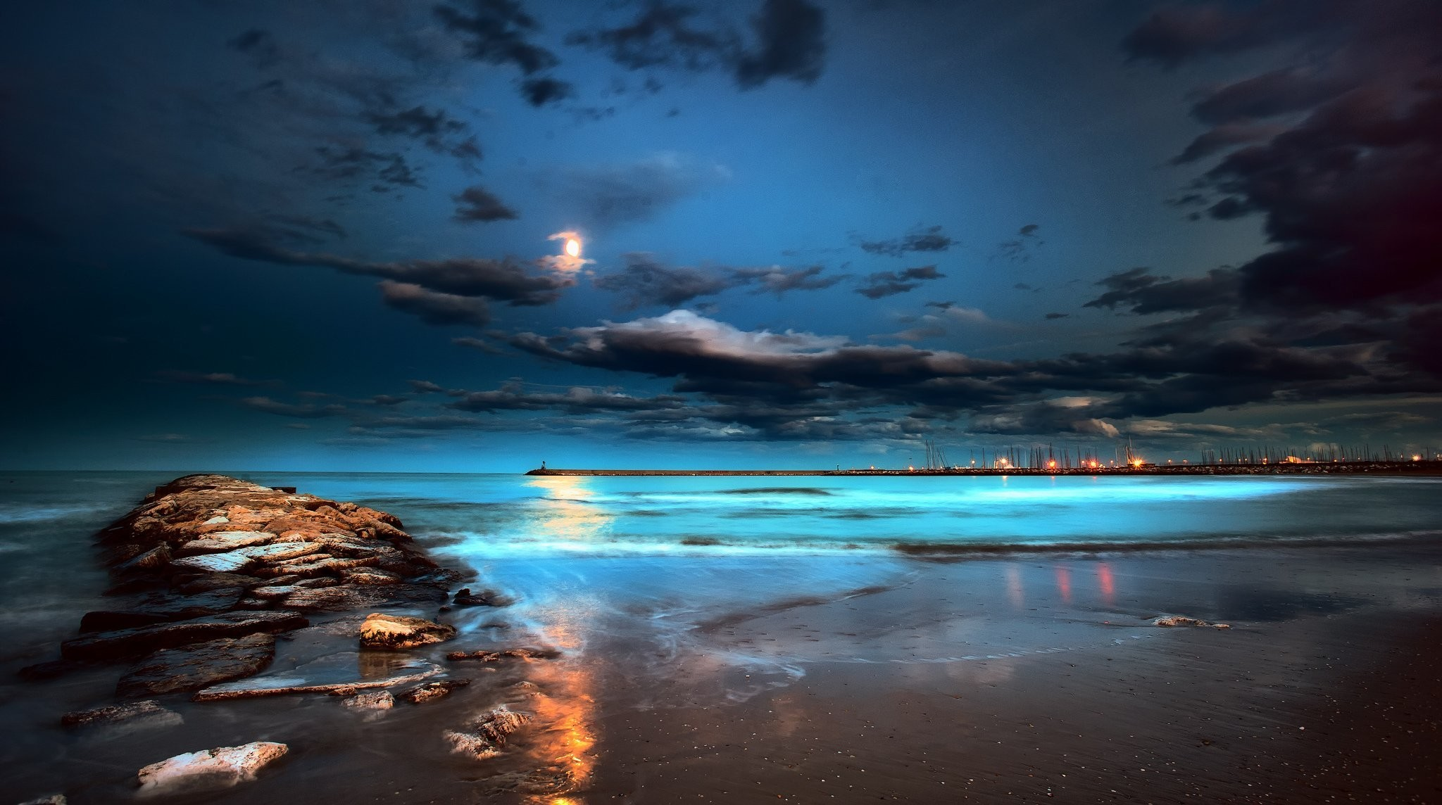 Res: 2048x1144, sea night moon beach pier lights