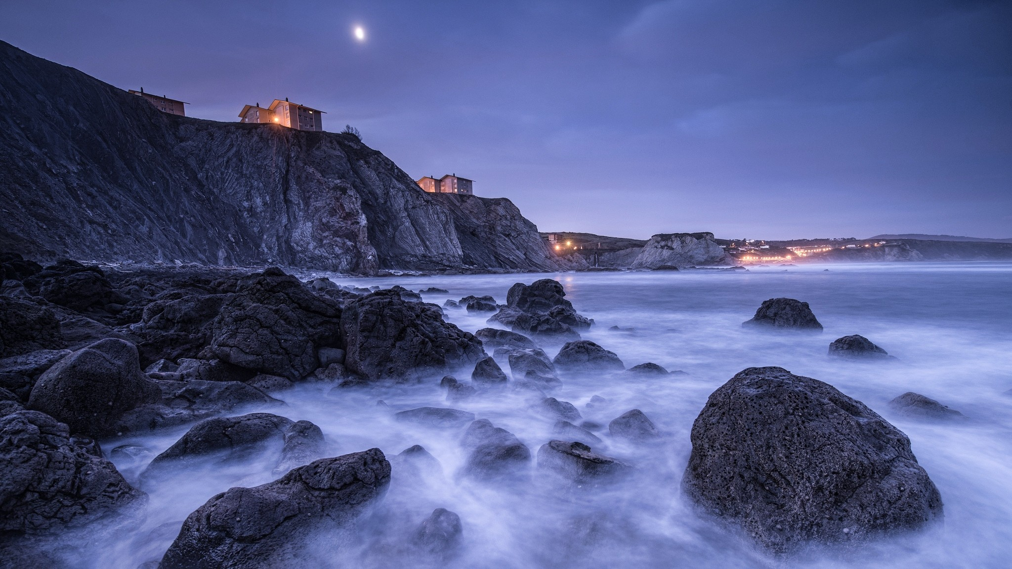 Res: 2048x1152,  Wallpaper spain, bay of biscay, beach, stones, rocks, houses,