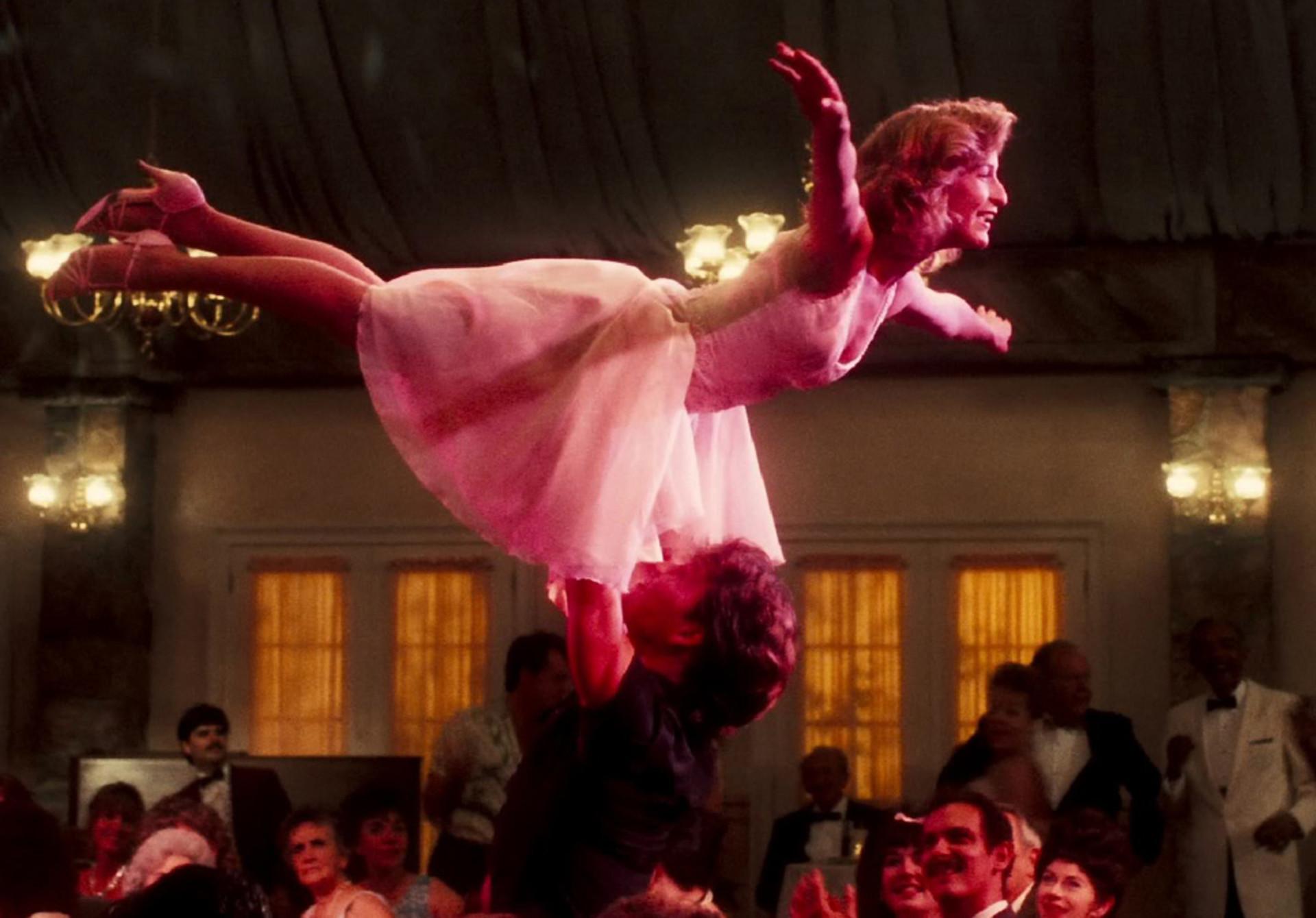 Res: 1920x1340, Potsdam war im Sommer 1989 im Dirty-Dancing-Fieber, vor dem Blauhaus kam es  zu Tumulten