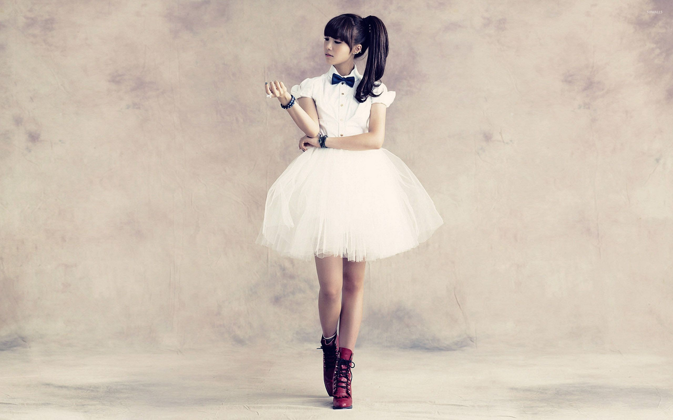 Res: 2560x1600, Jung Eun-ji - A Pink wallpaper