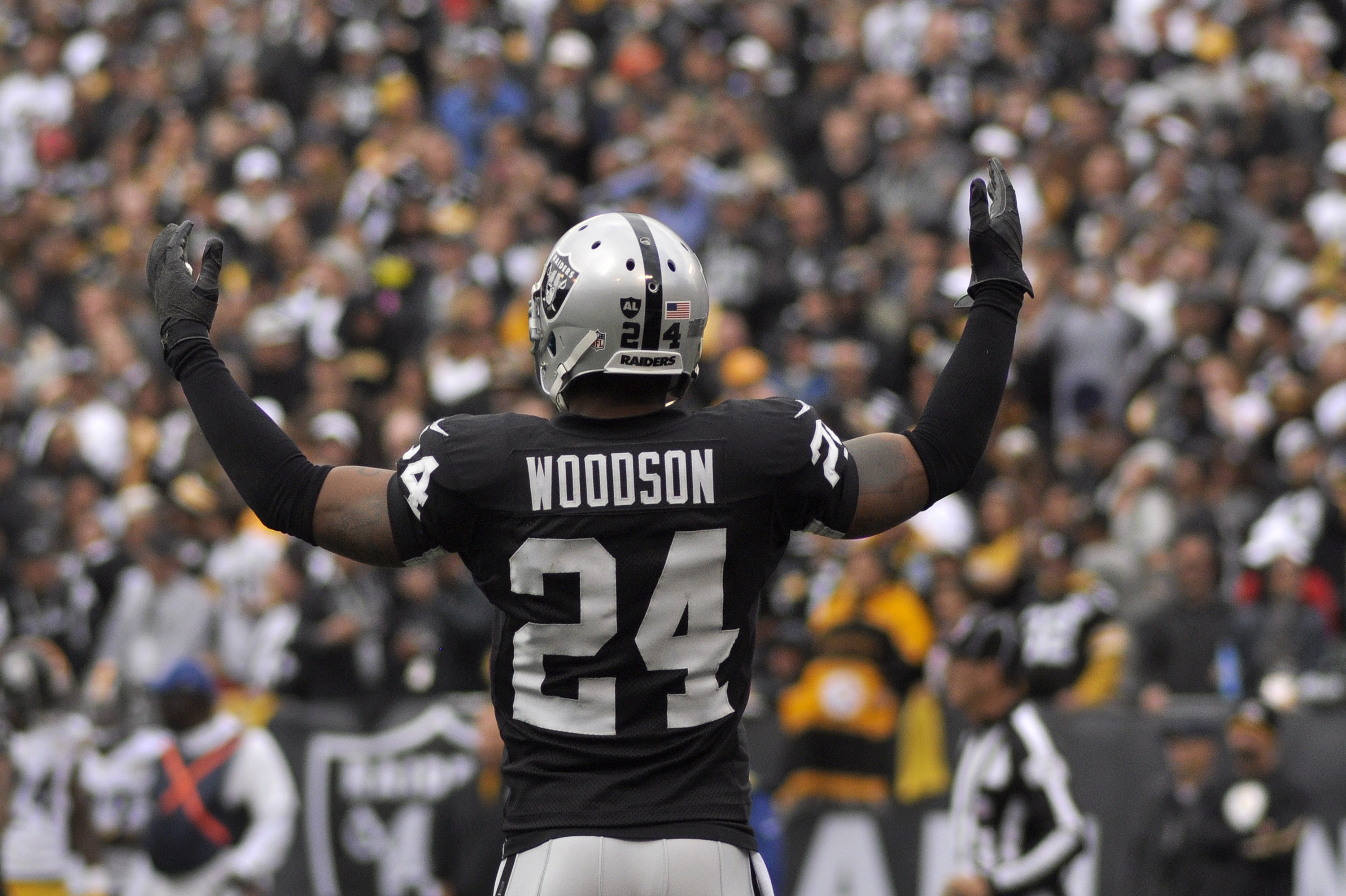 Res: 3000x1997, Charles Woodson closes out his Oakland career tonight in the Black Hole –  Christmas Eve – The Nosebleeds NFL Blog