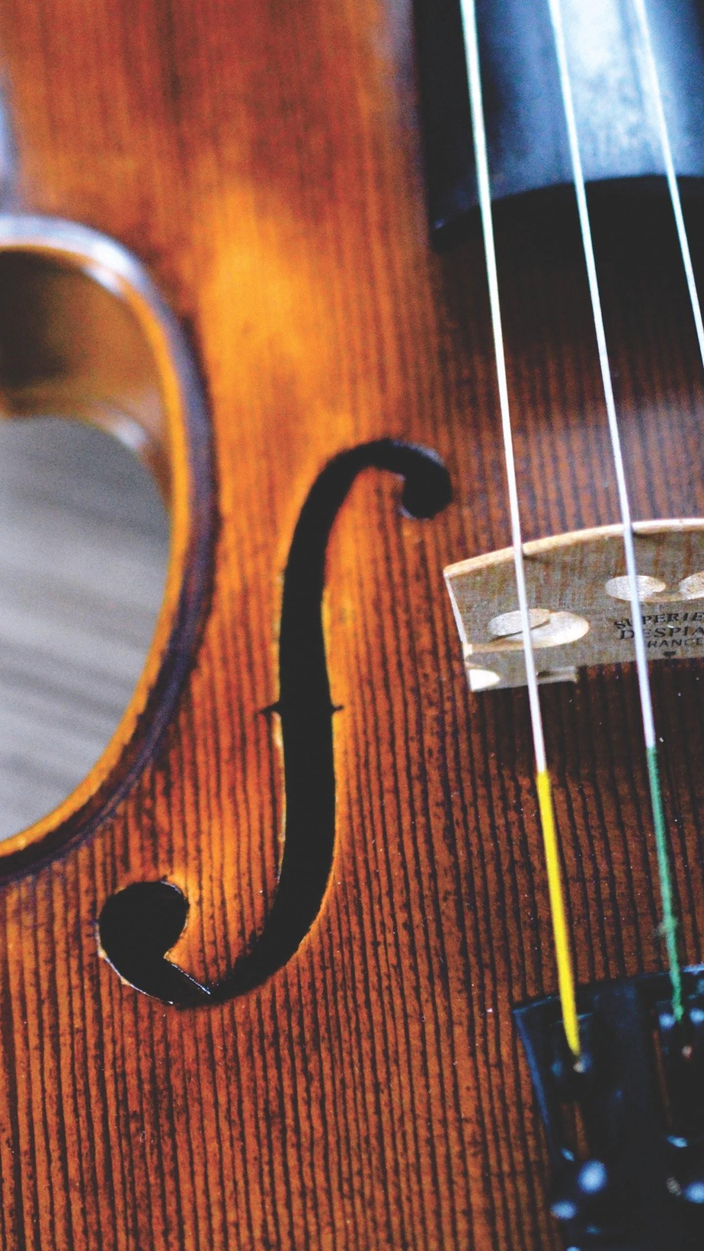 Res: 1440x2560, Violin