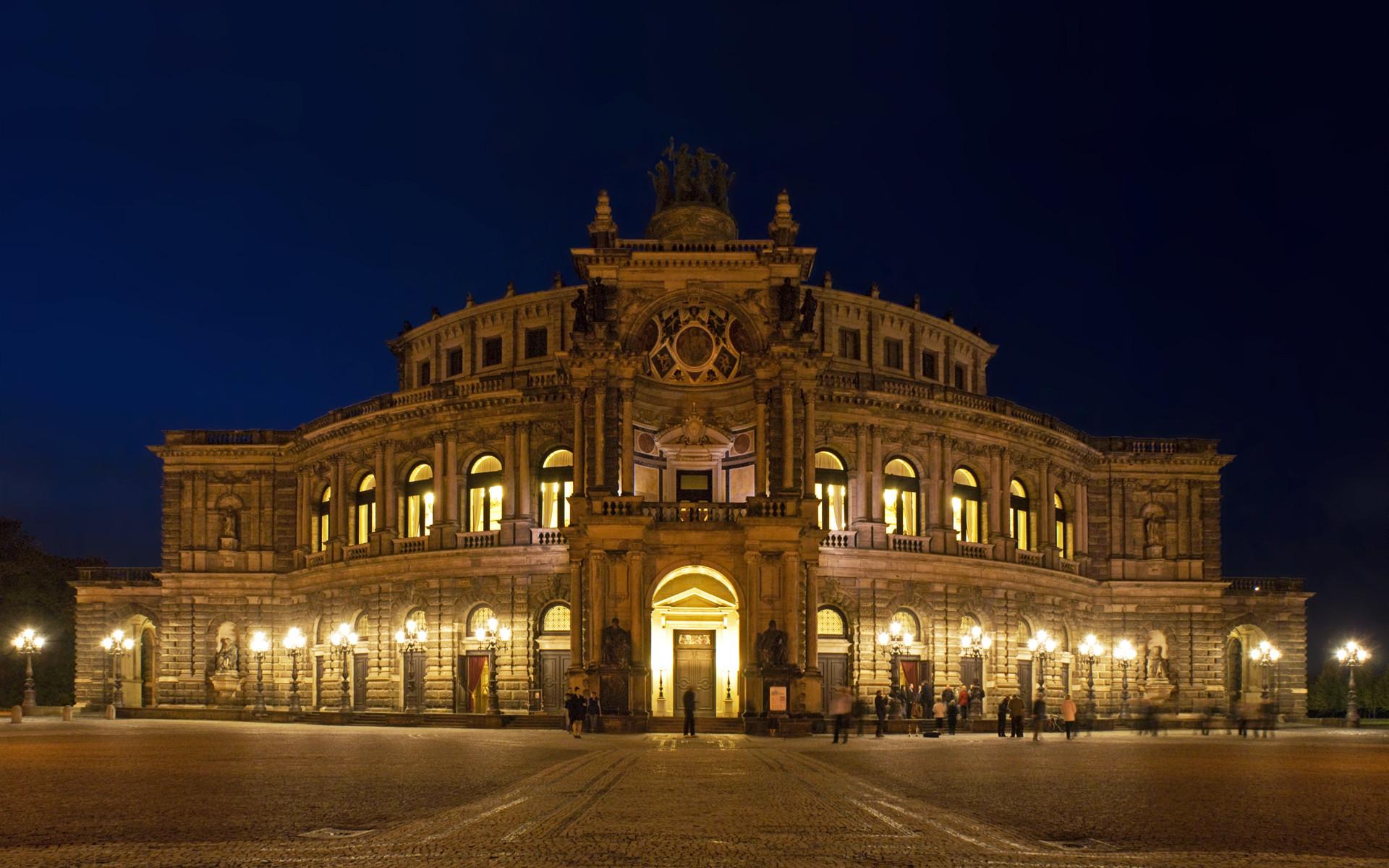 Res: 1920x1200, Semperoper Dresden