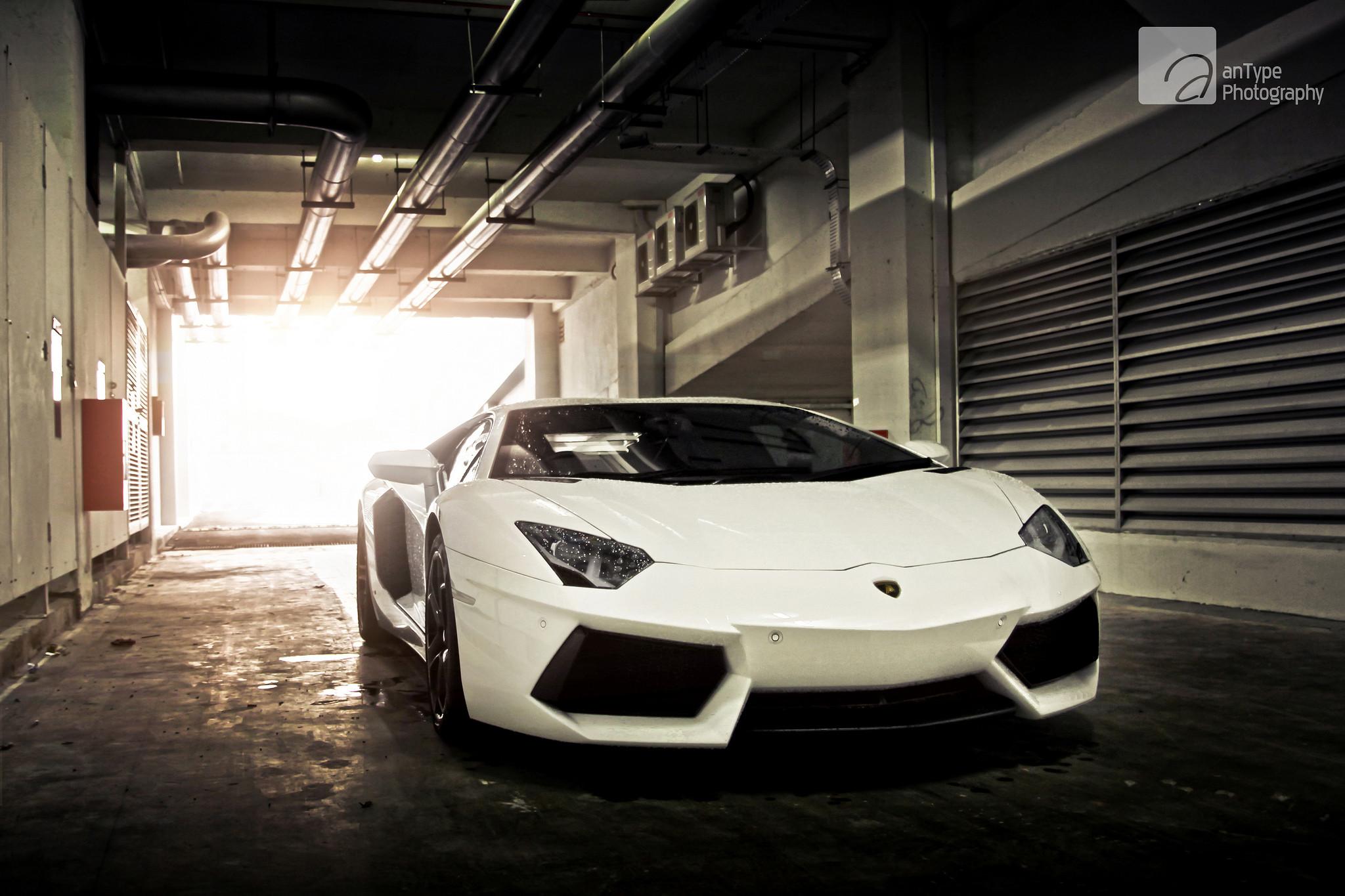 Res: 2048x1365, Lamborghini Aventador Matte White Wallpaper