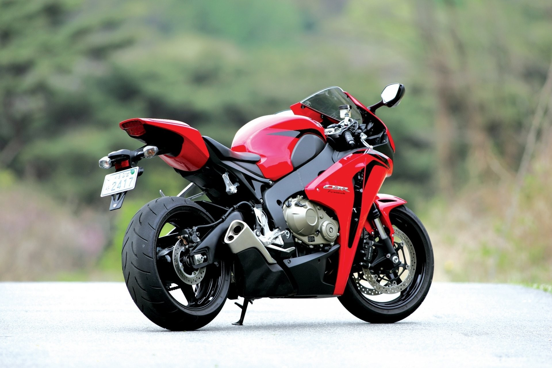 Res: 1920x1281, honda cbr1000rr red bike rear view tailpipe