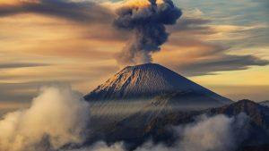 Volcanic Eruption wallpapers