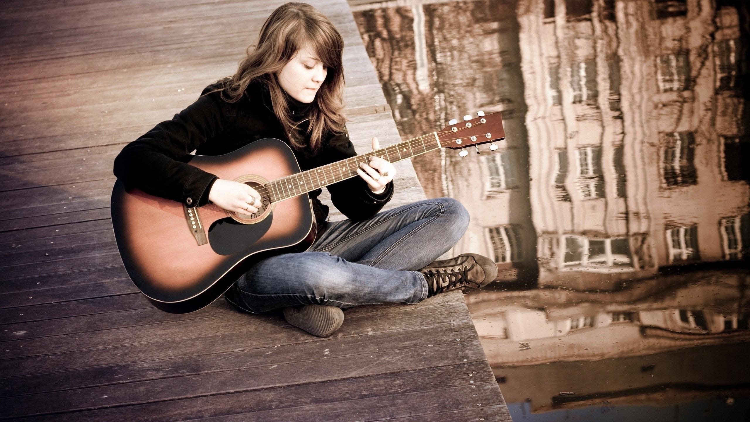 Res: 2560x1440, Brunettes women jeans acoustic guitars guitars rooftops Diego Rivera  wallpaper |  | 309305 | WallpaperUP
