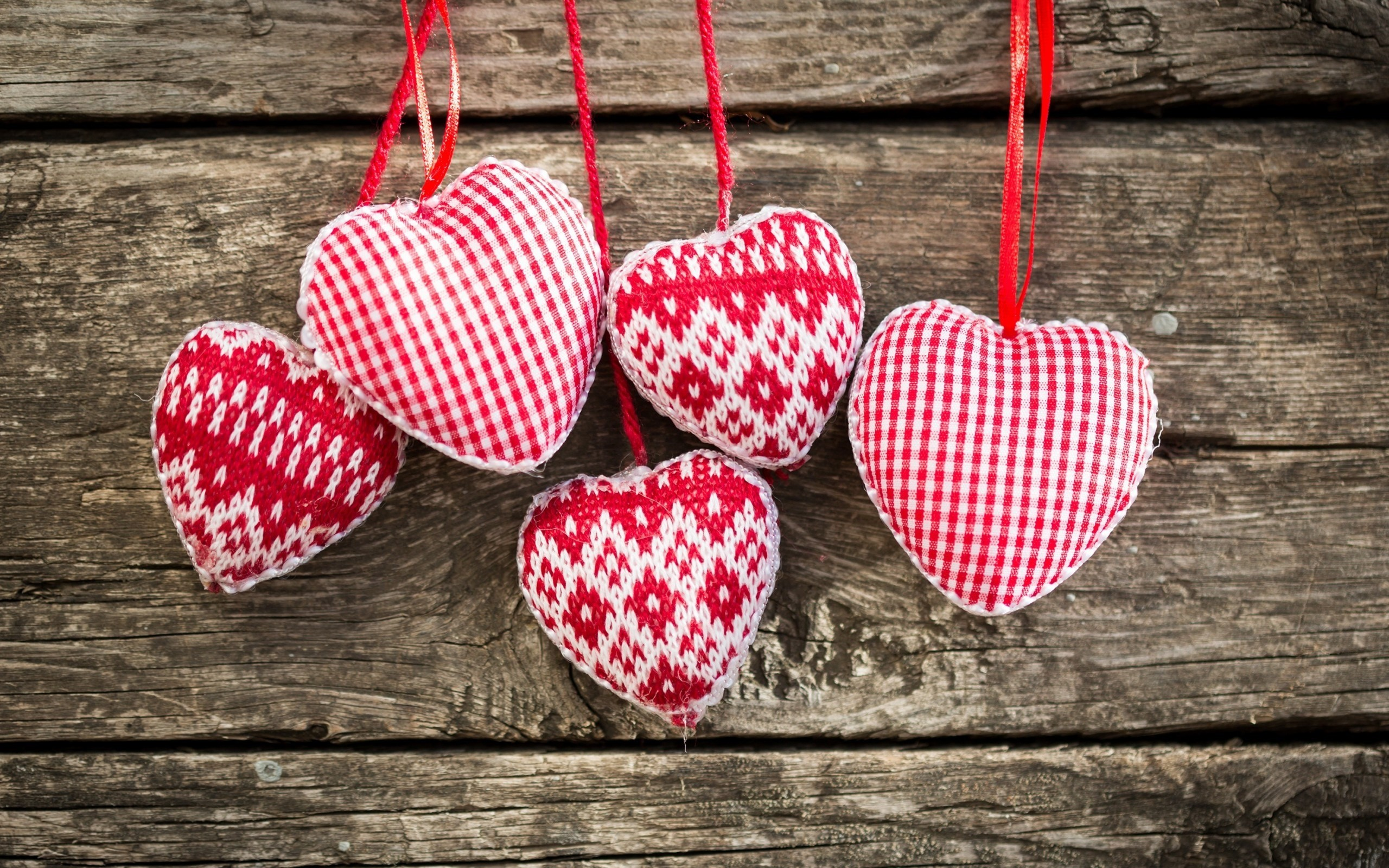 Res: 2560x1600, Beautiful Christmas heart ornaments