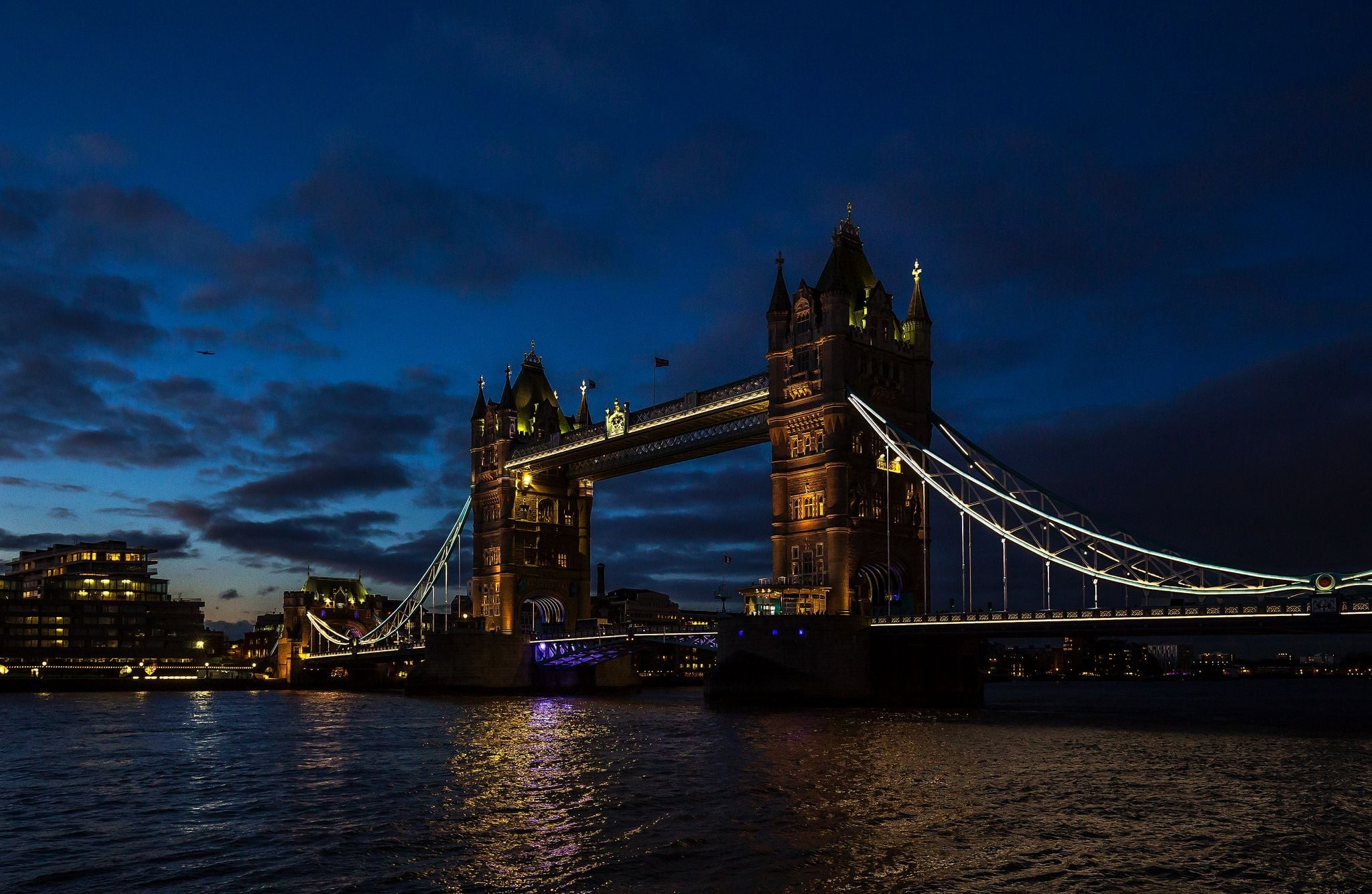 Res: 2048x1334, London Tower Bridge night