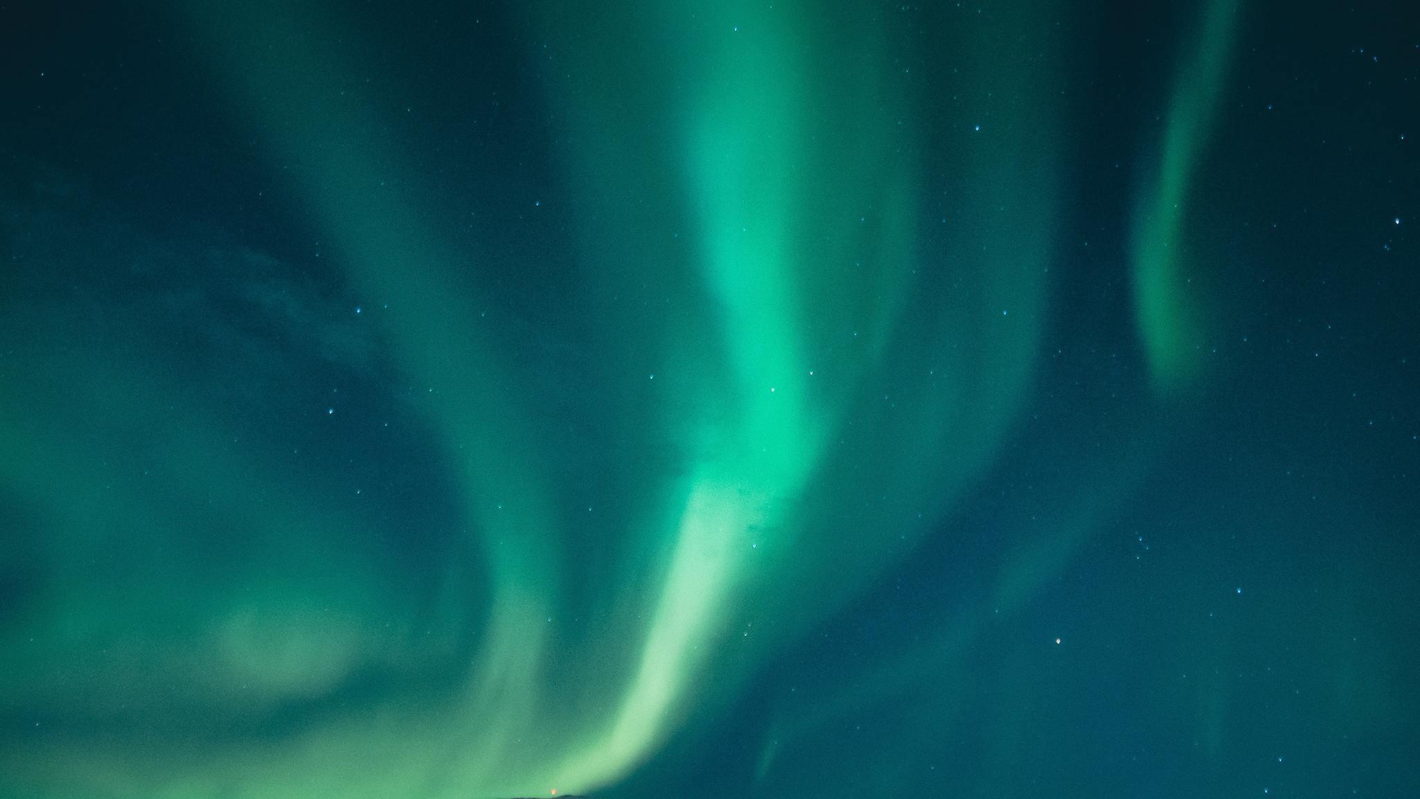 Res: 2048x1152, aurora-borealis-bright-colors-n7.jpg