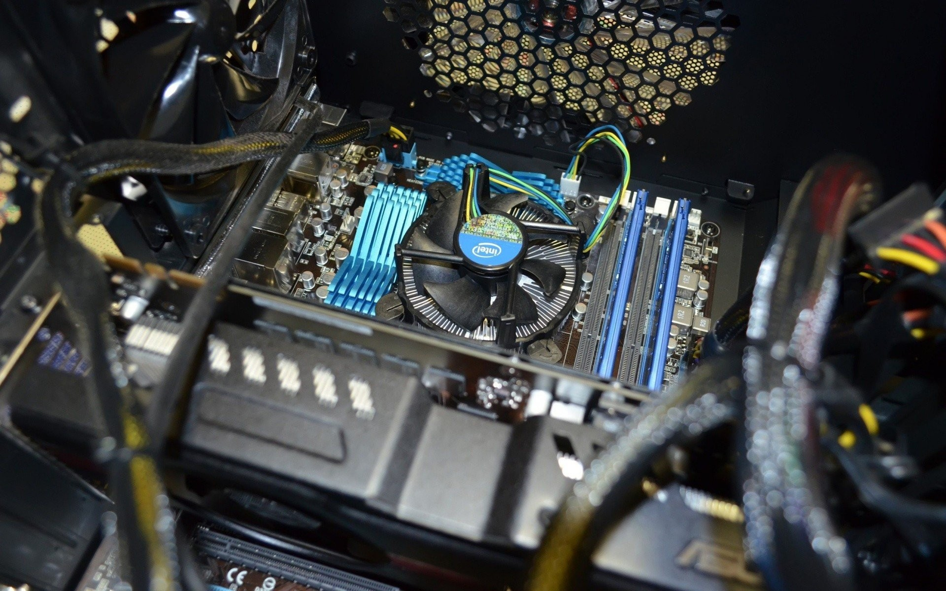 Res: 1920x1200, processor motherboard cooler ram intel