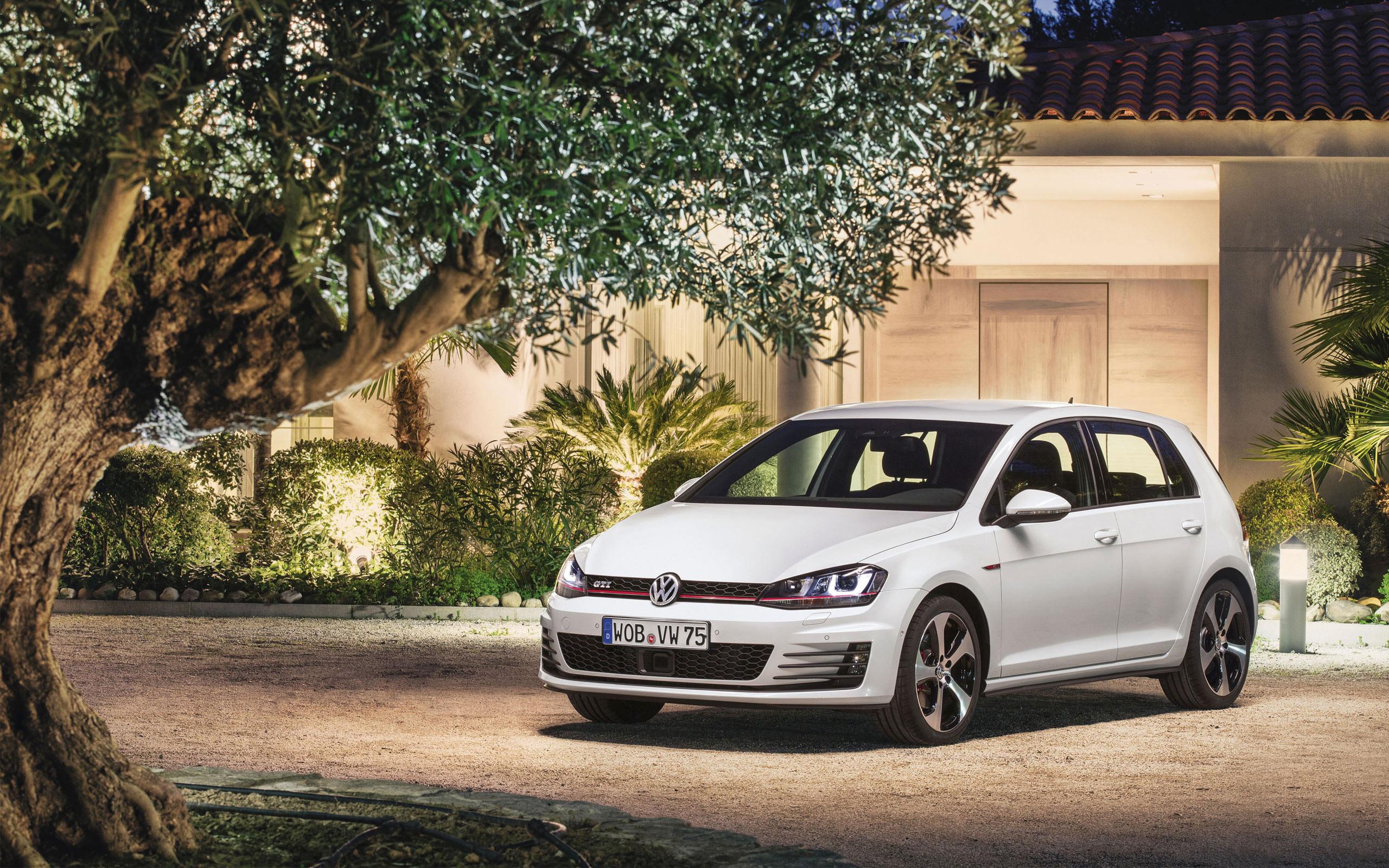Res: 2560x1600, Volkswagen Golf Gti Wallpaper