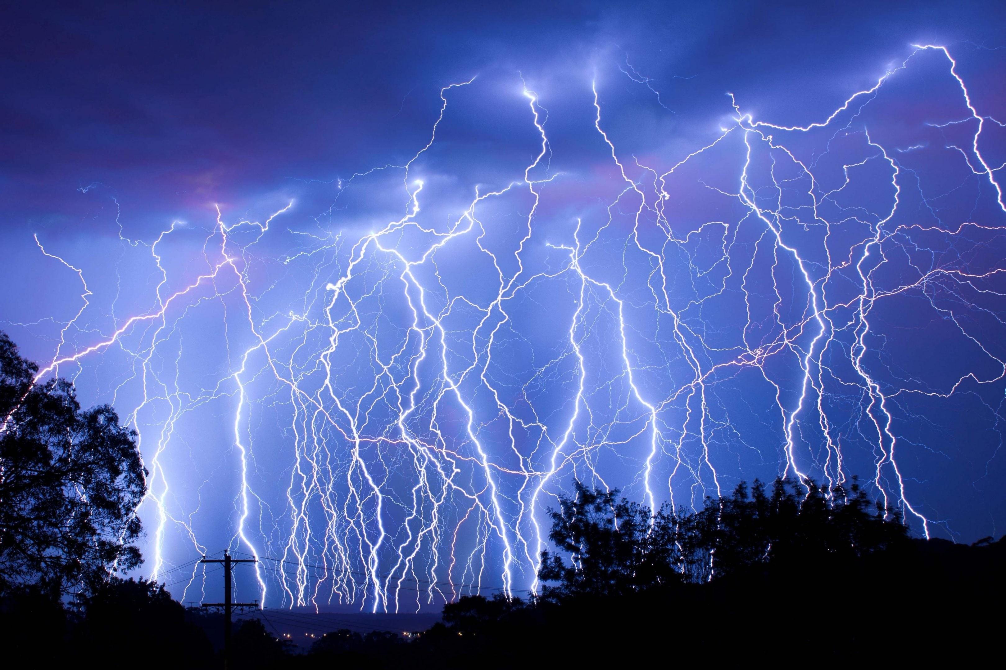 Res: 3240x2160, Lightning Wallpaper