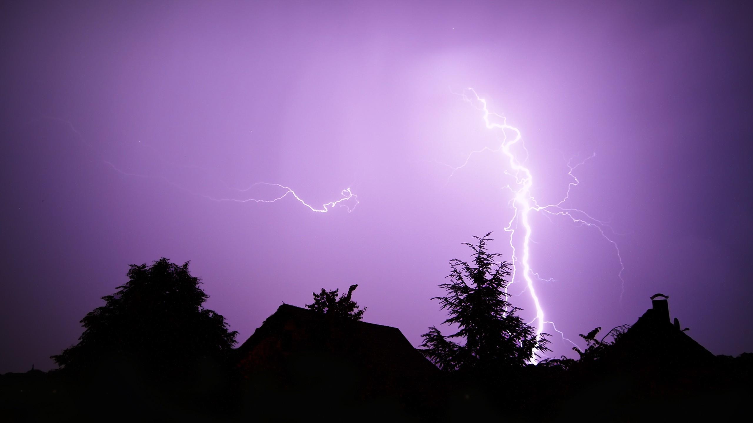 Res: 2560x1440, Lightning Storm Wallpaper
