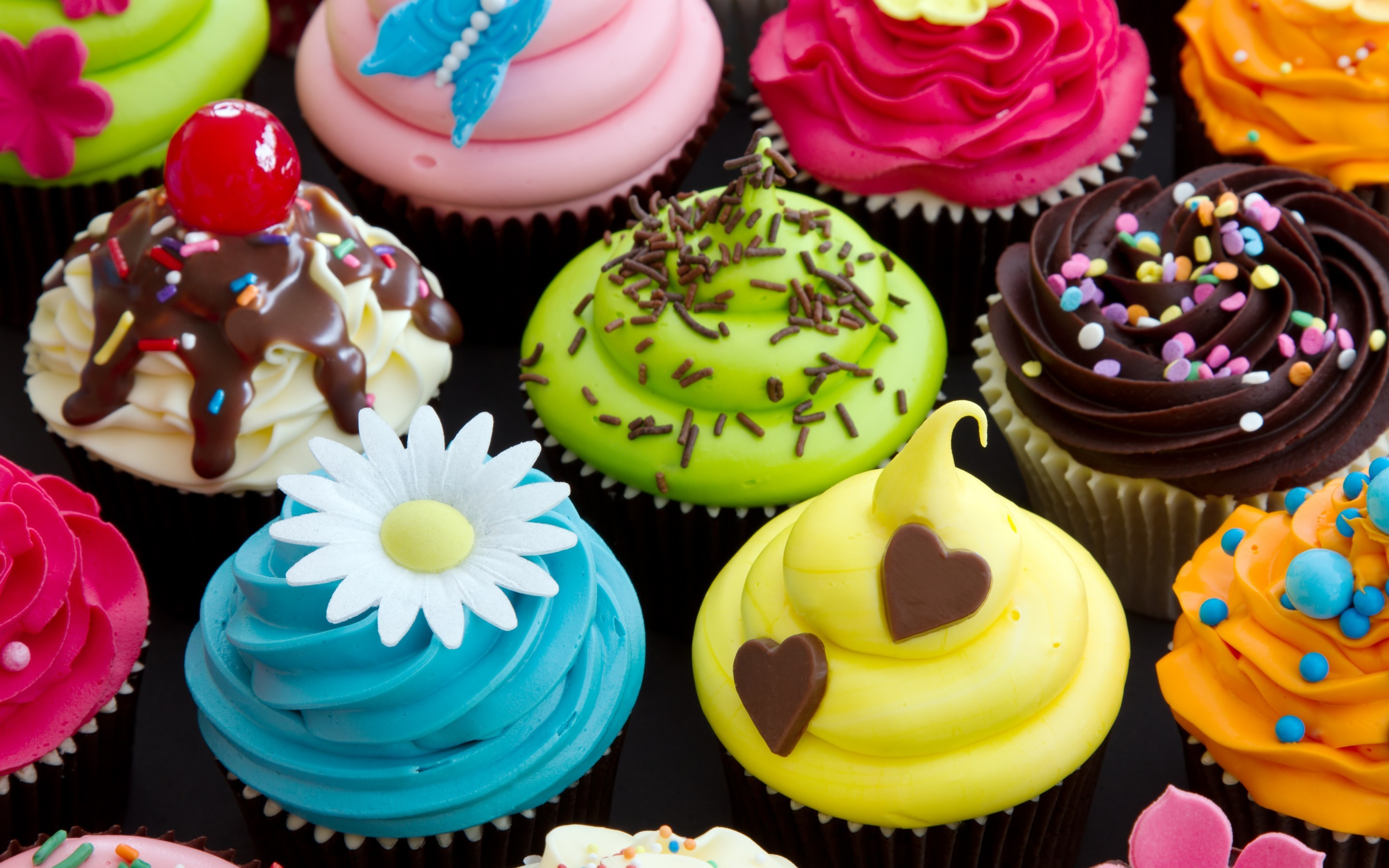 Res: 2880x1800, Colorful Cream Cupcake Pink · HD Wallpaper | Background Image ID:421304
