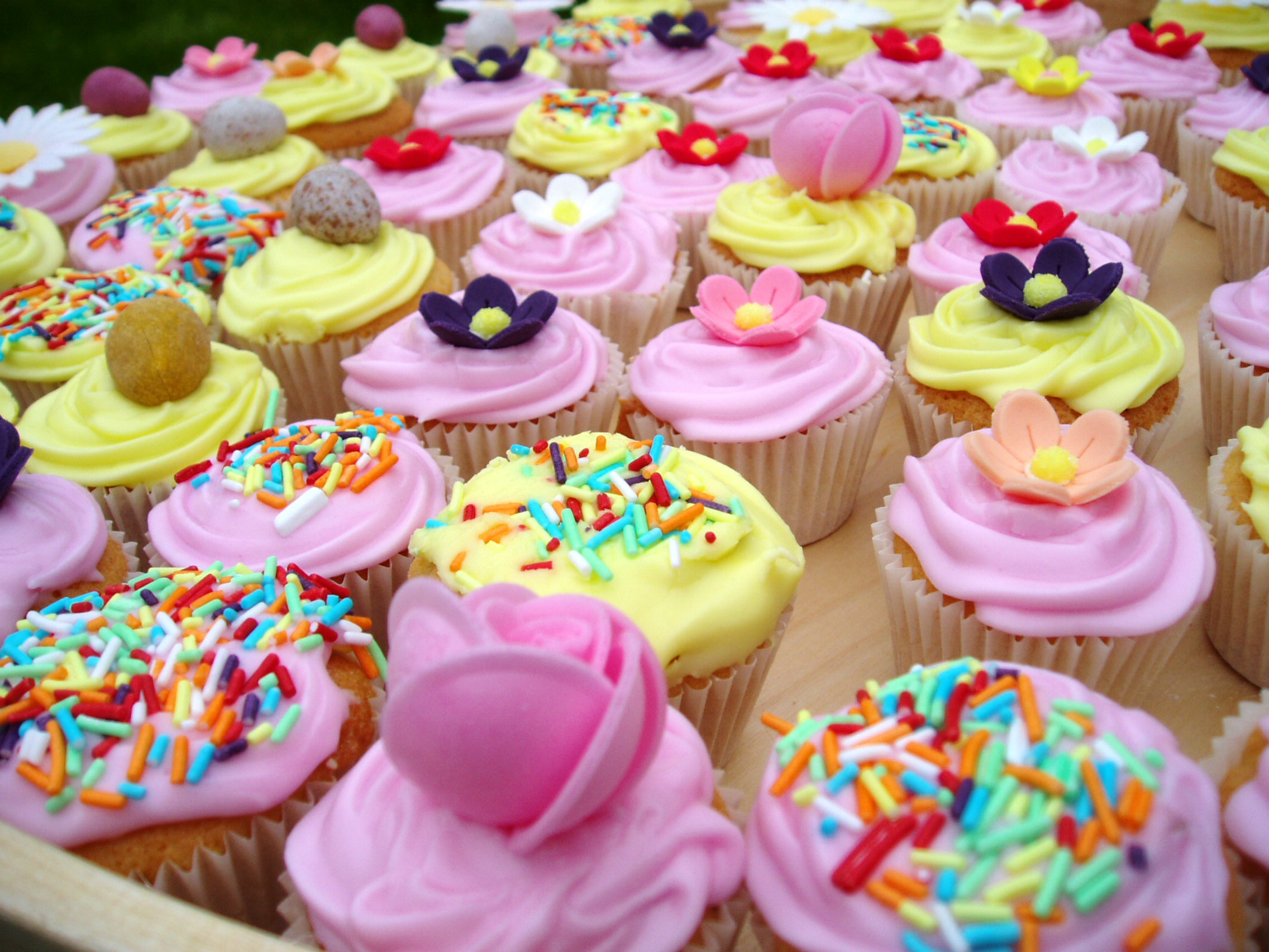 Res: 2272x1704, HD Wallpaper | Background Image ID:1494.  Food Cupcake