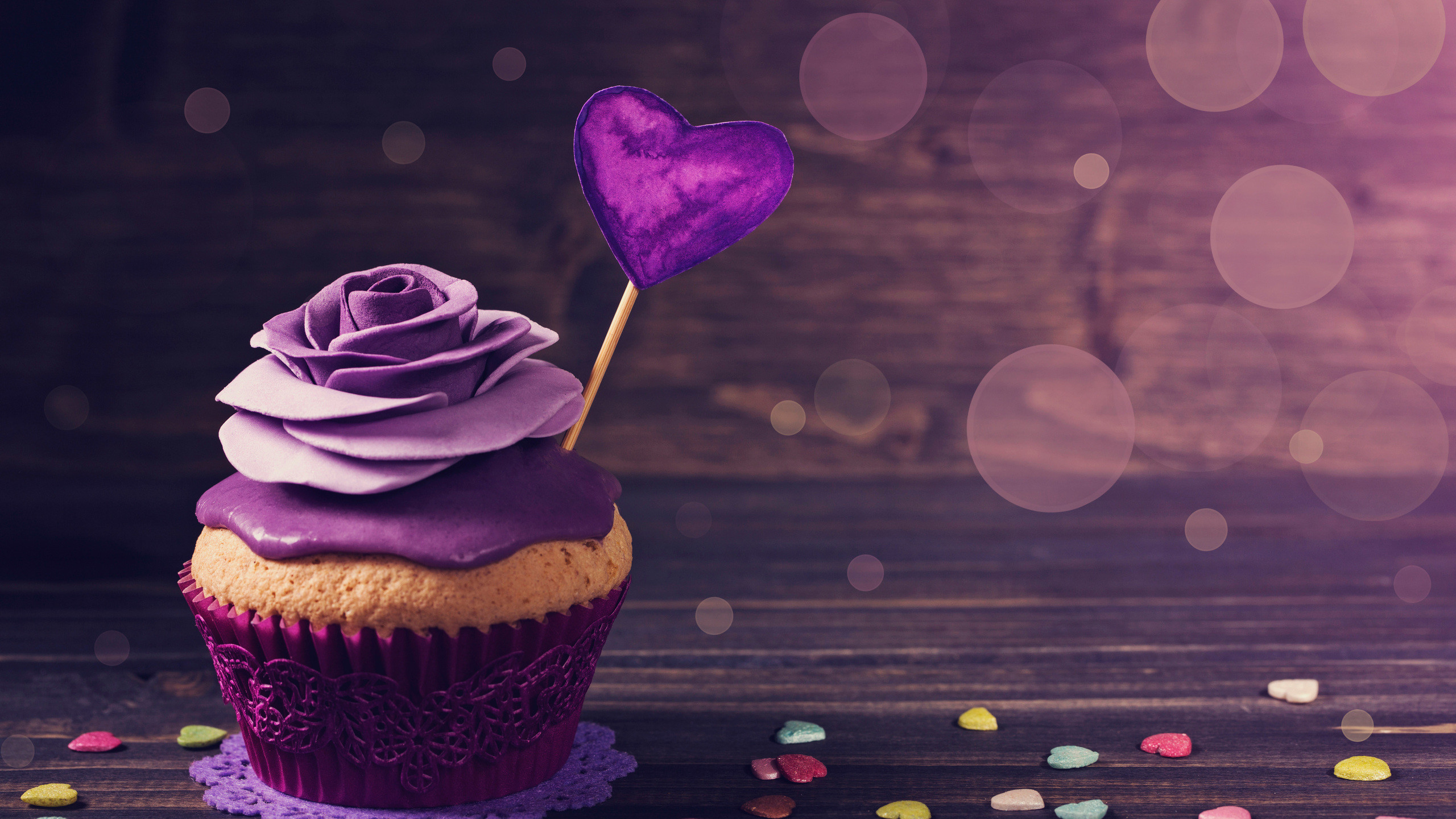 Res: 2560x1440, roses-cupcake-z2.jpg