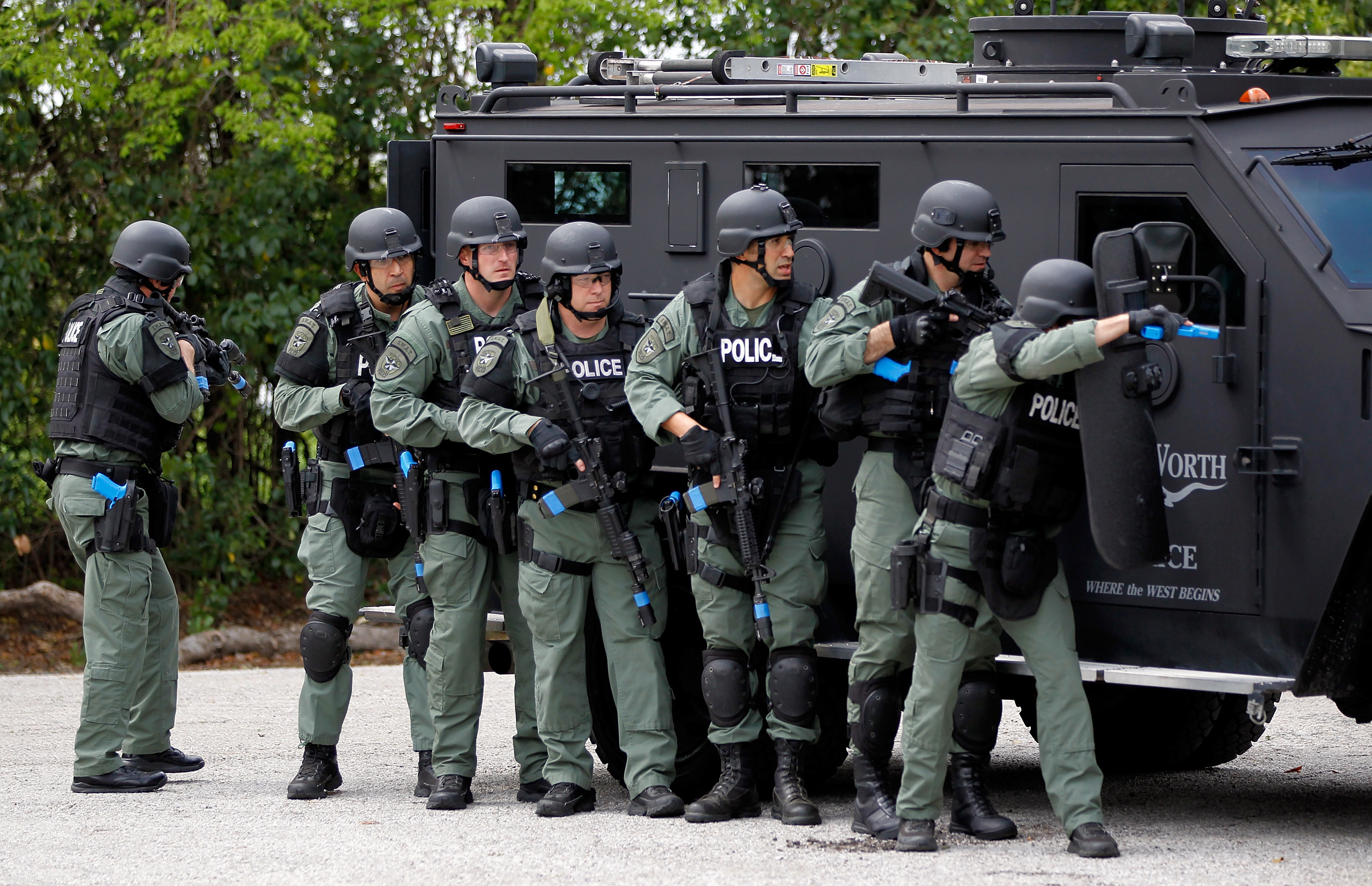 Res: 3000x1937, Swat Team In Action Wallpapers For Android