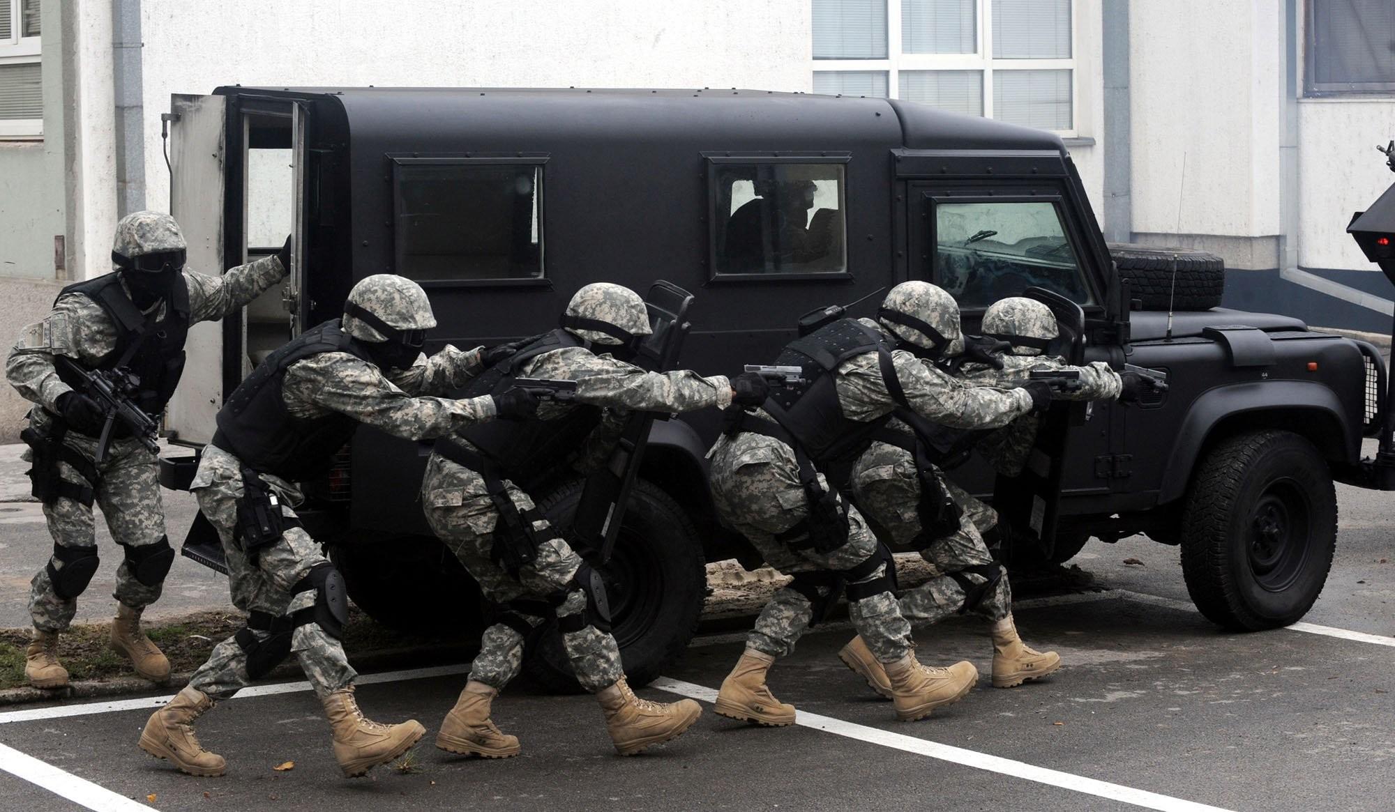 Res: 2000x1165, SWAT TEAM police crime emergency weapon gun wallpaper |  | 514280  | WallpaperUP
