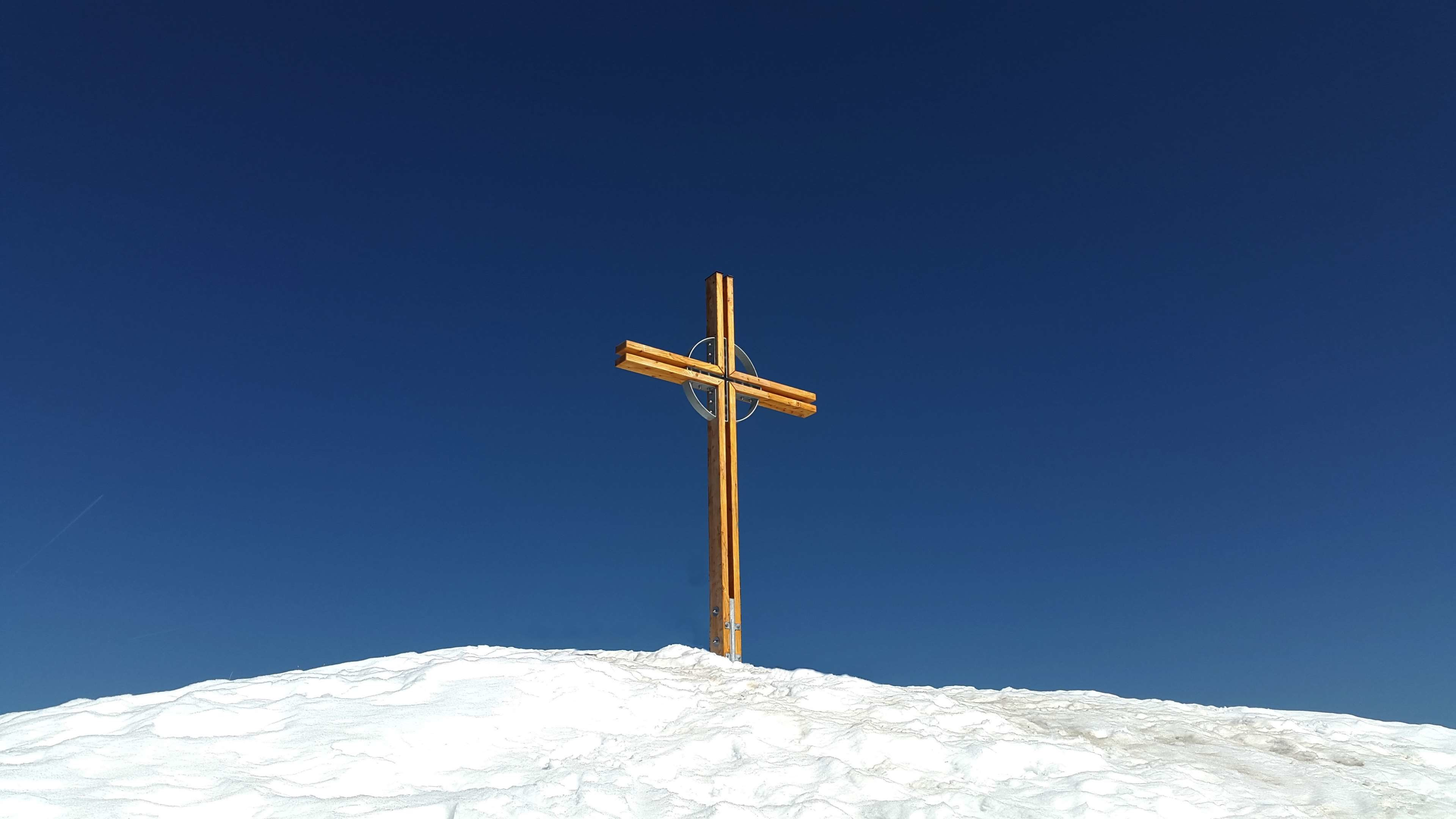 Res: 3840x2160,  alpine, blue sky, cross, hike, kleinwalsertal, kuhgehrenspitze,  mountain,