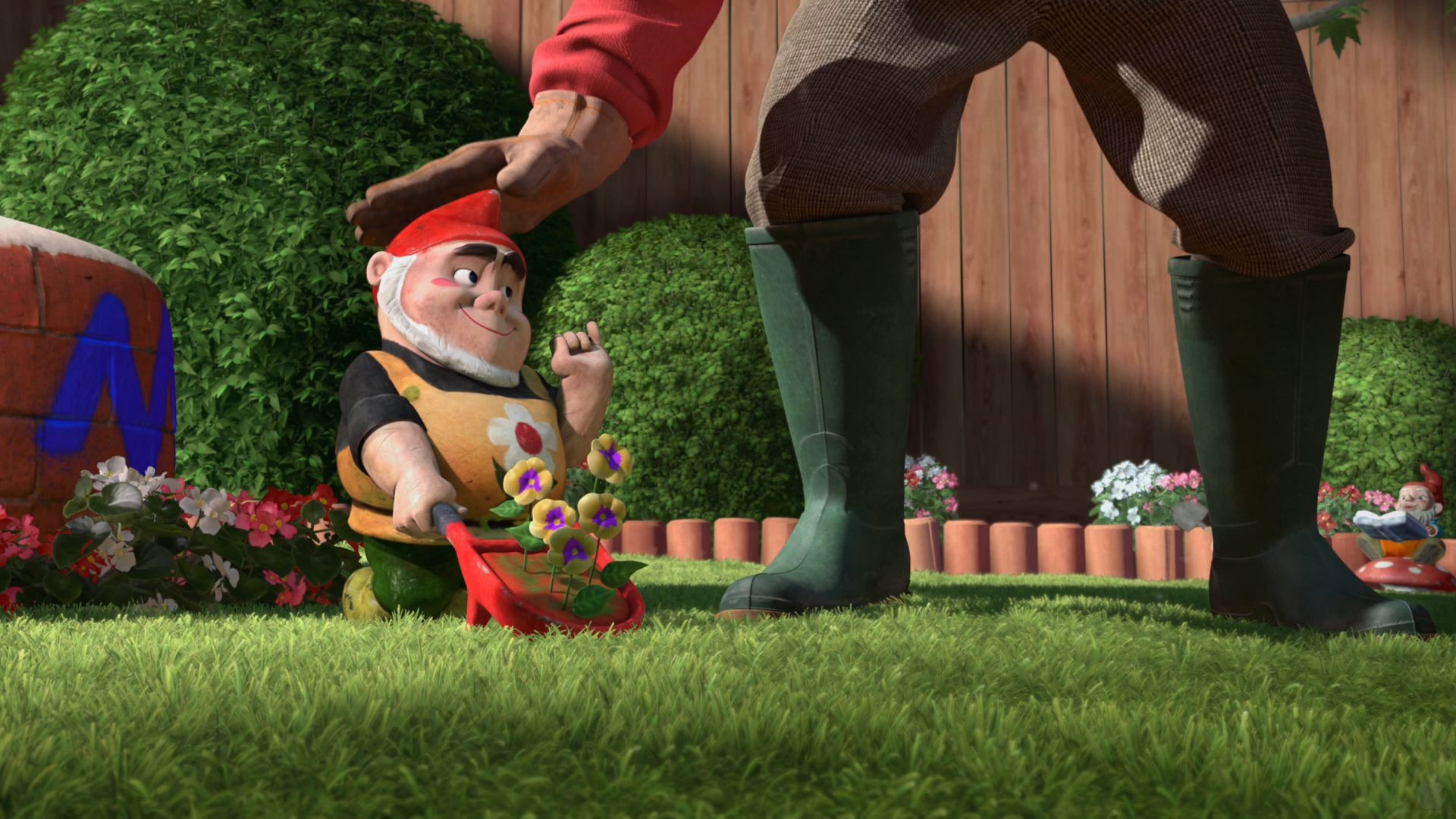 Res: 1920x1080, Tybalt the Garden Gnome from Gnomeo and Juliet Desktop Wallpaper