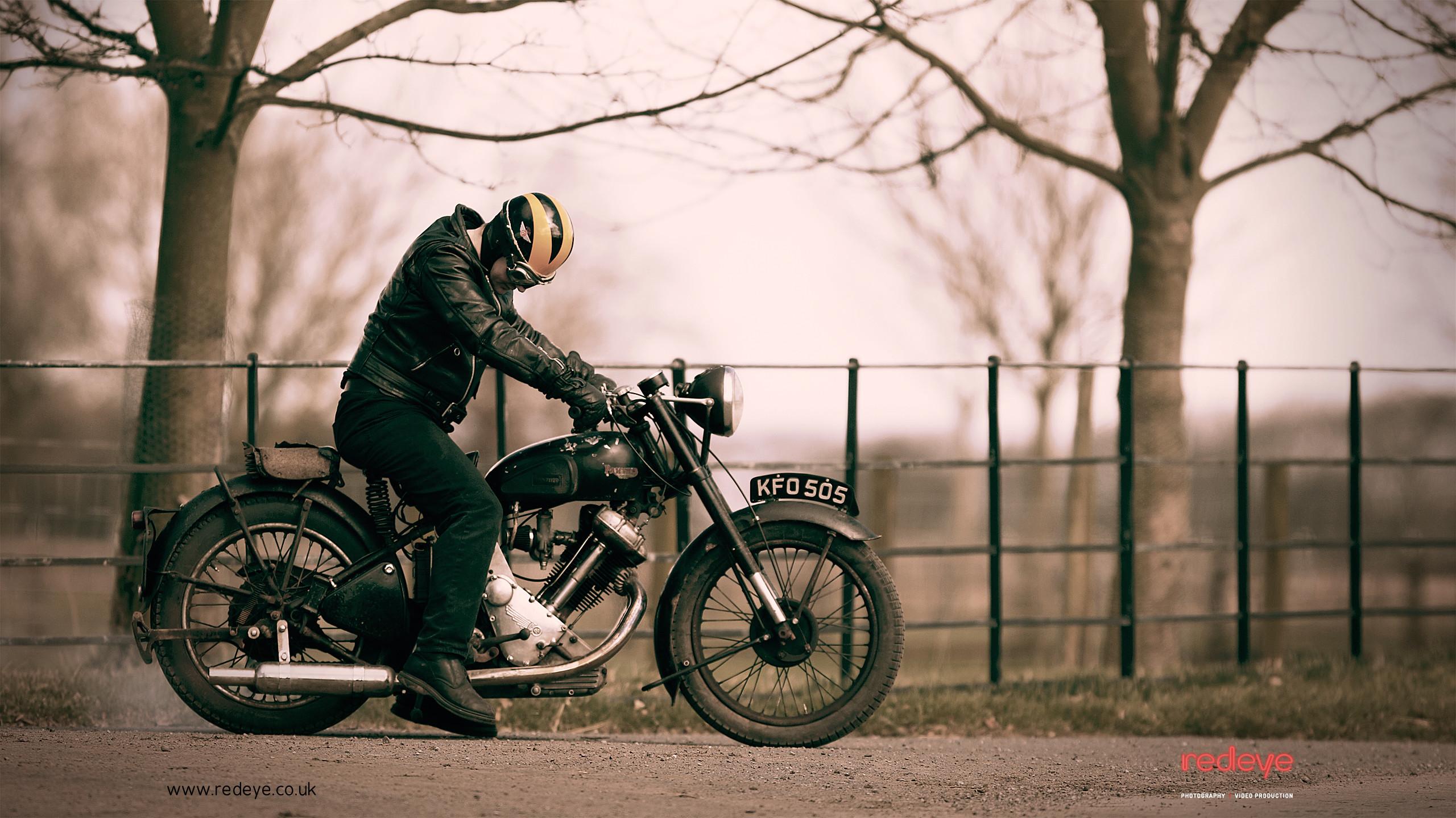 Res: 2560x1440, Classic Bike wallpaper 1300168